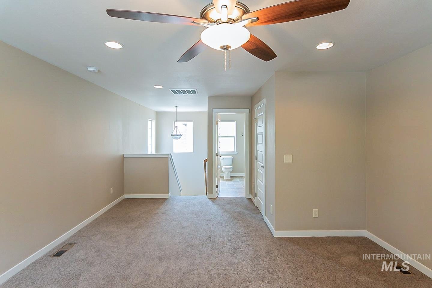 3729 W Catalpa Property Photo 24