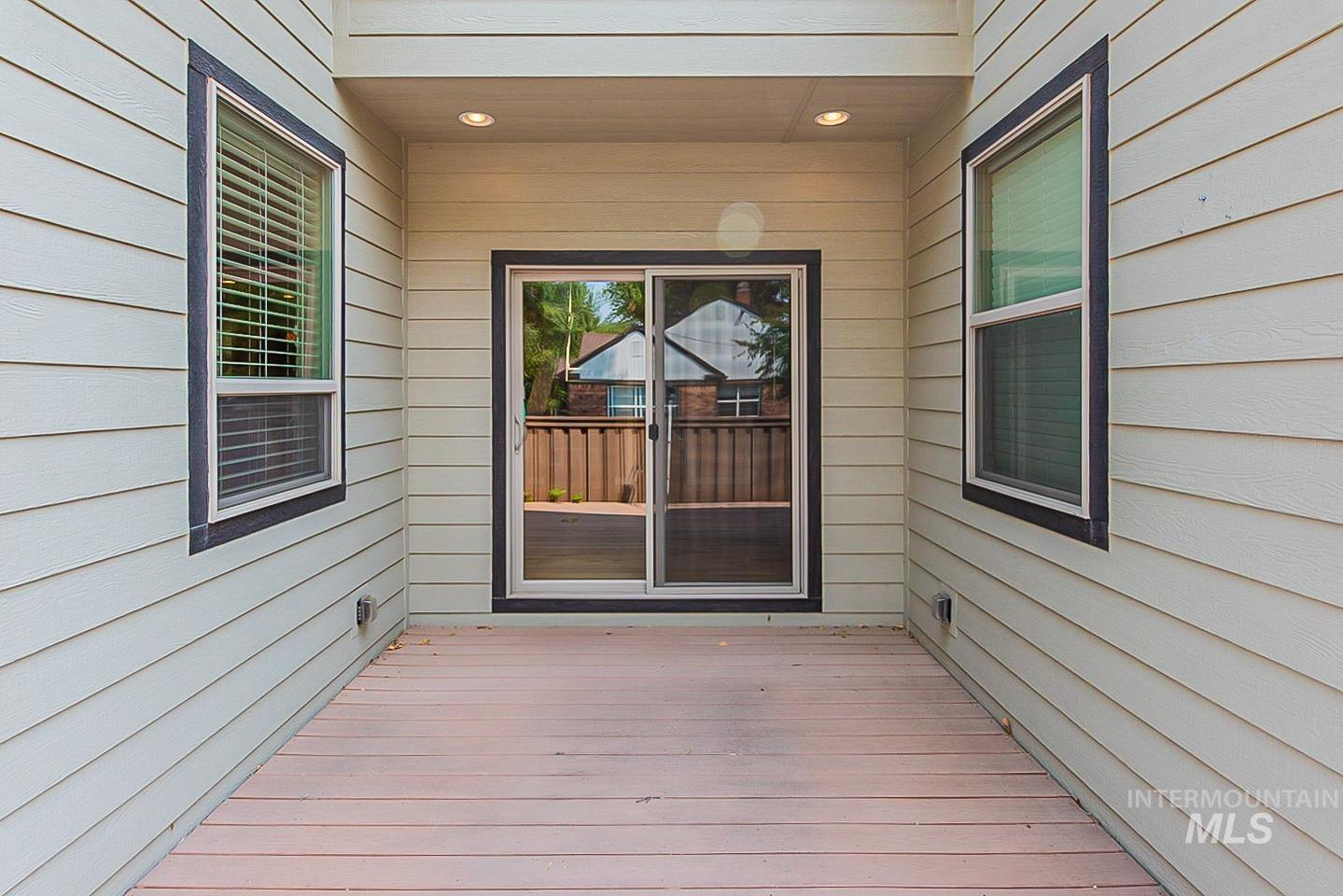 3729 W Catalpa Property Photo 25