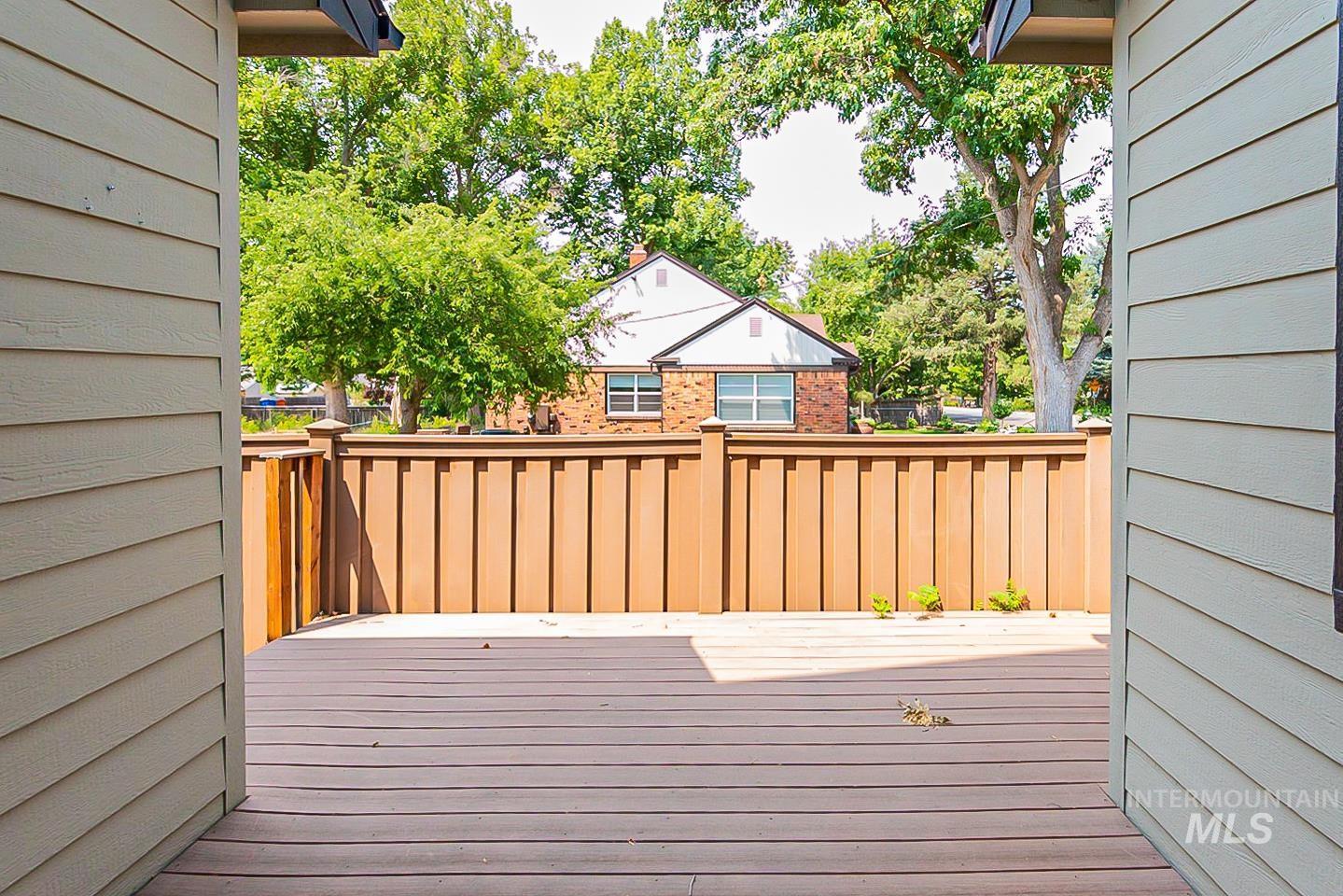 3729 W Catalpa Property Photo 26