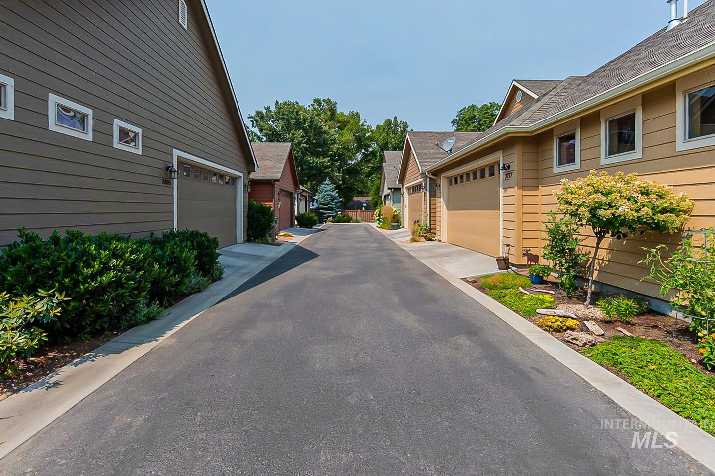 3729 W Catalpa Property Photo 28