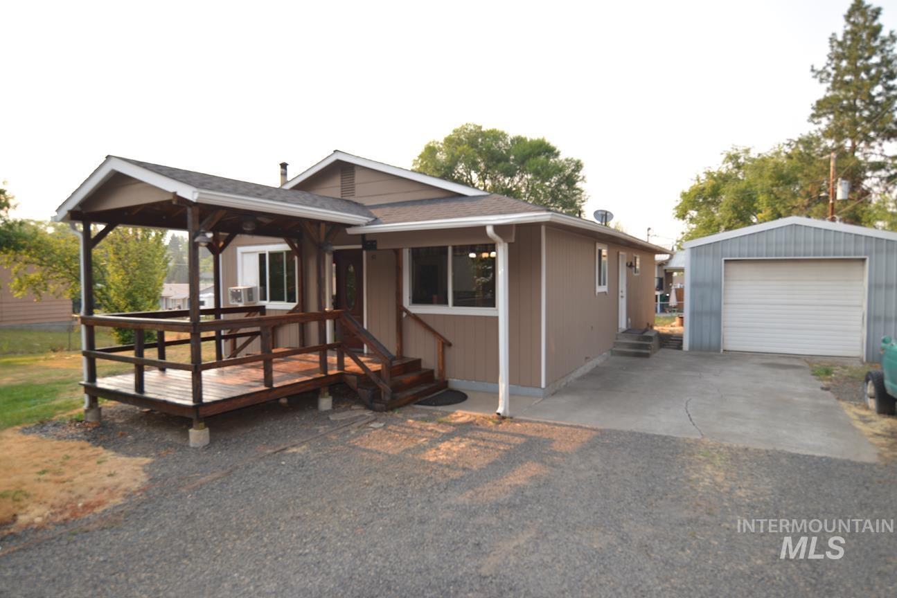411 Spruce Road Property Photo