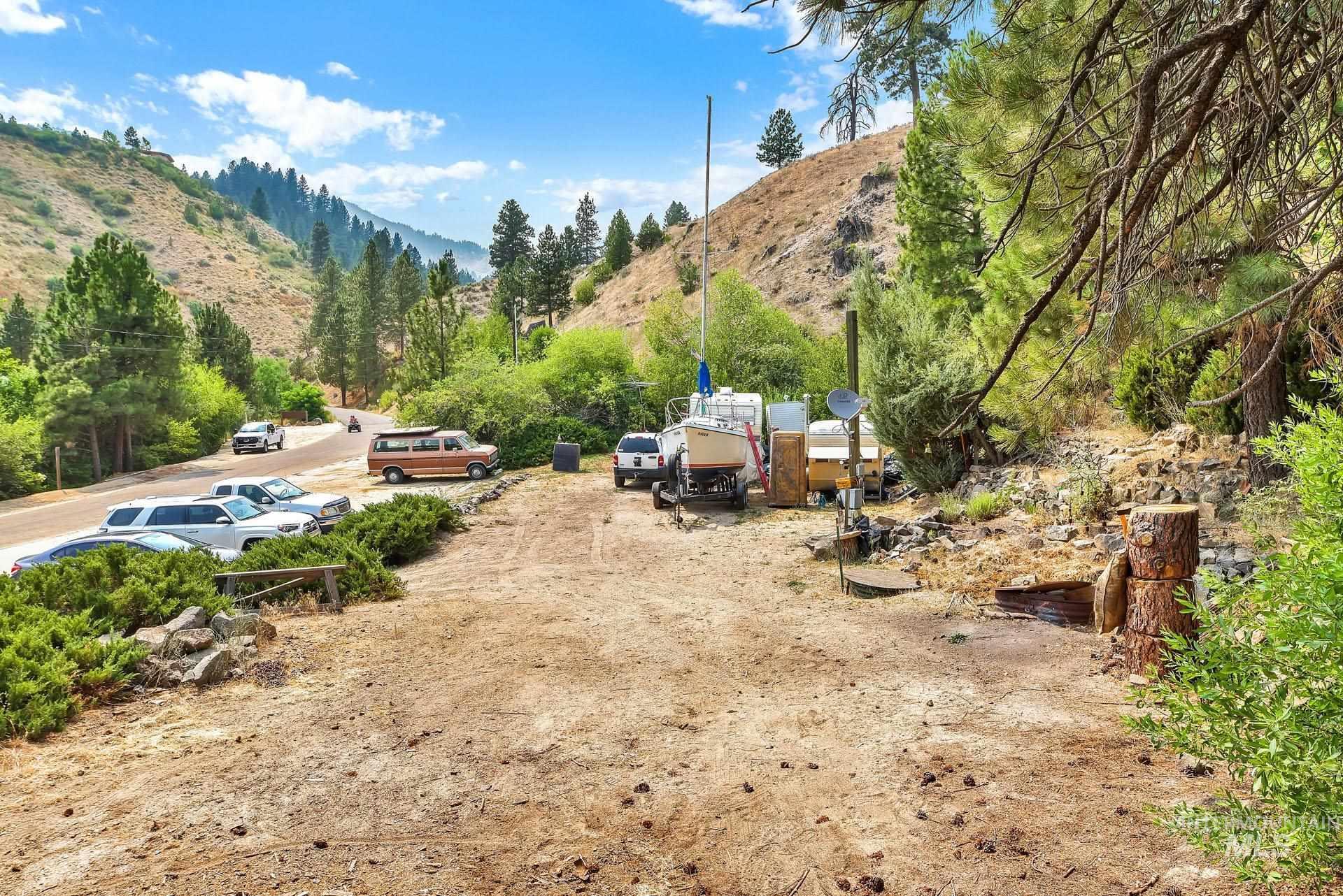 226 Robie Creek Rd Property Photo 8