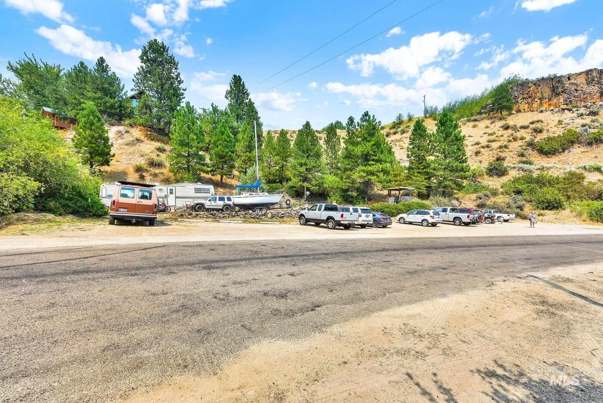 226 Robie Creek Rd Property Photo 12