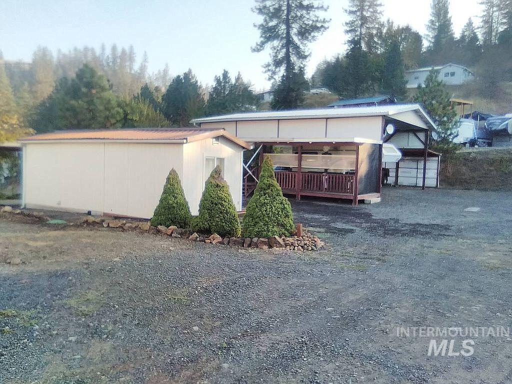 103 107 Nezperce Property Photo