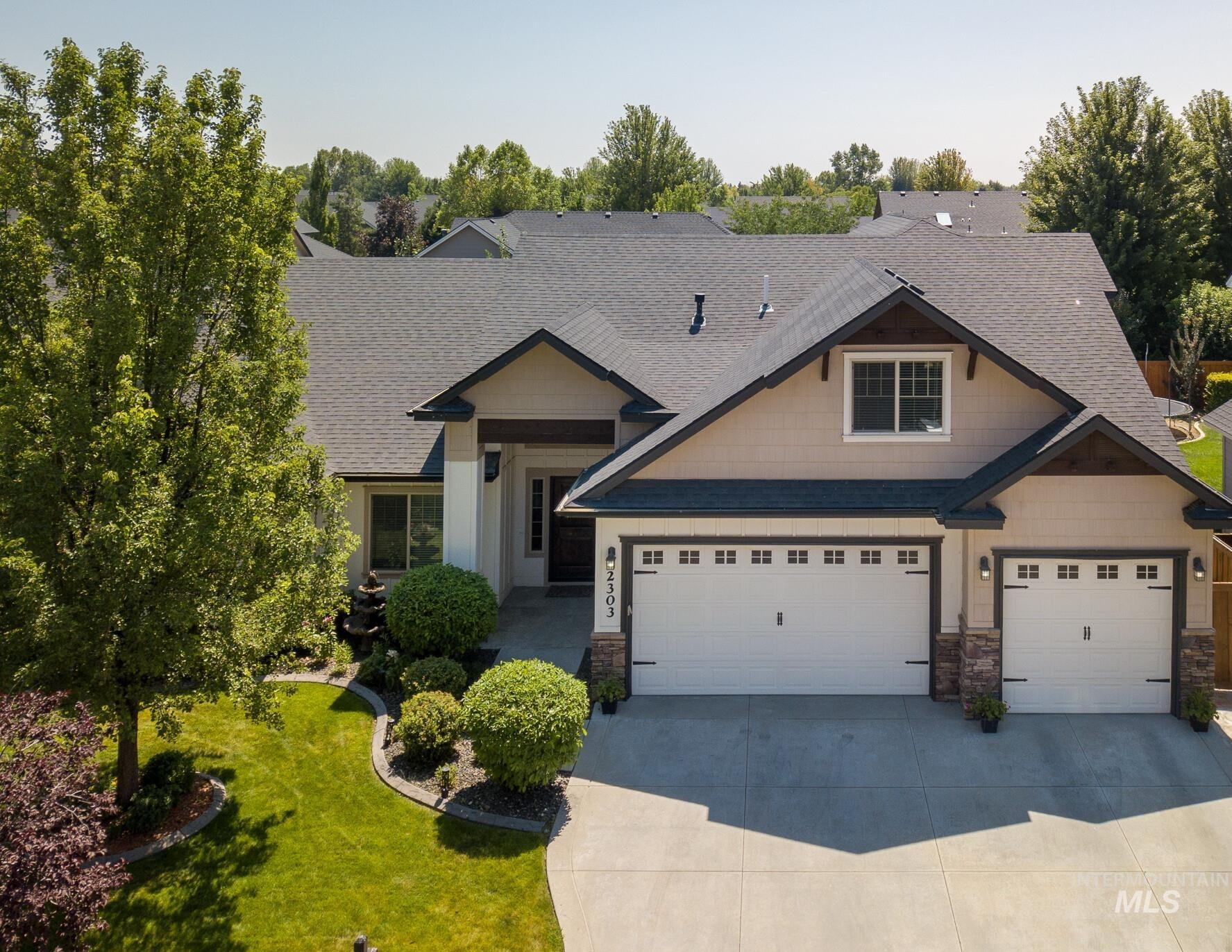2303 W Grand Teton Property Photo