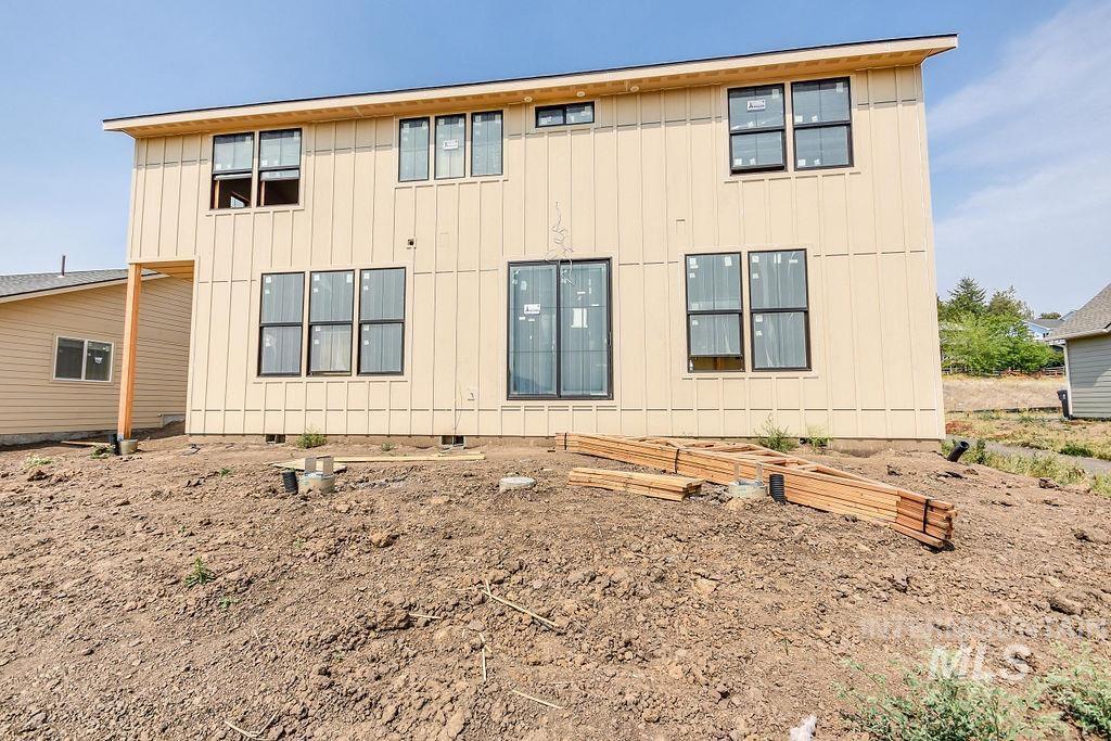 439 Southview Property Photo 5