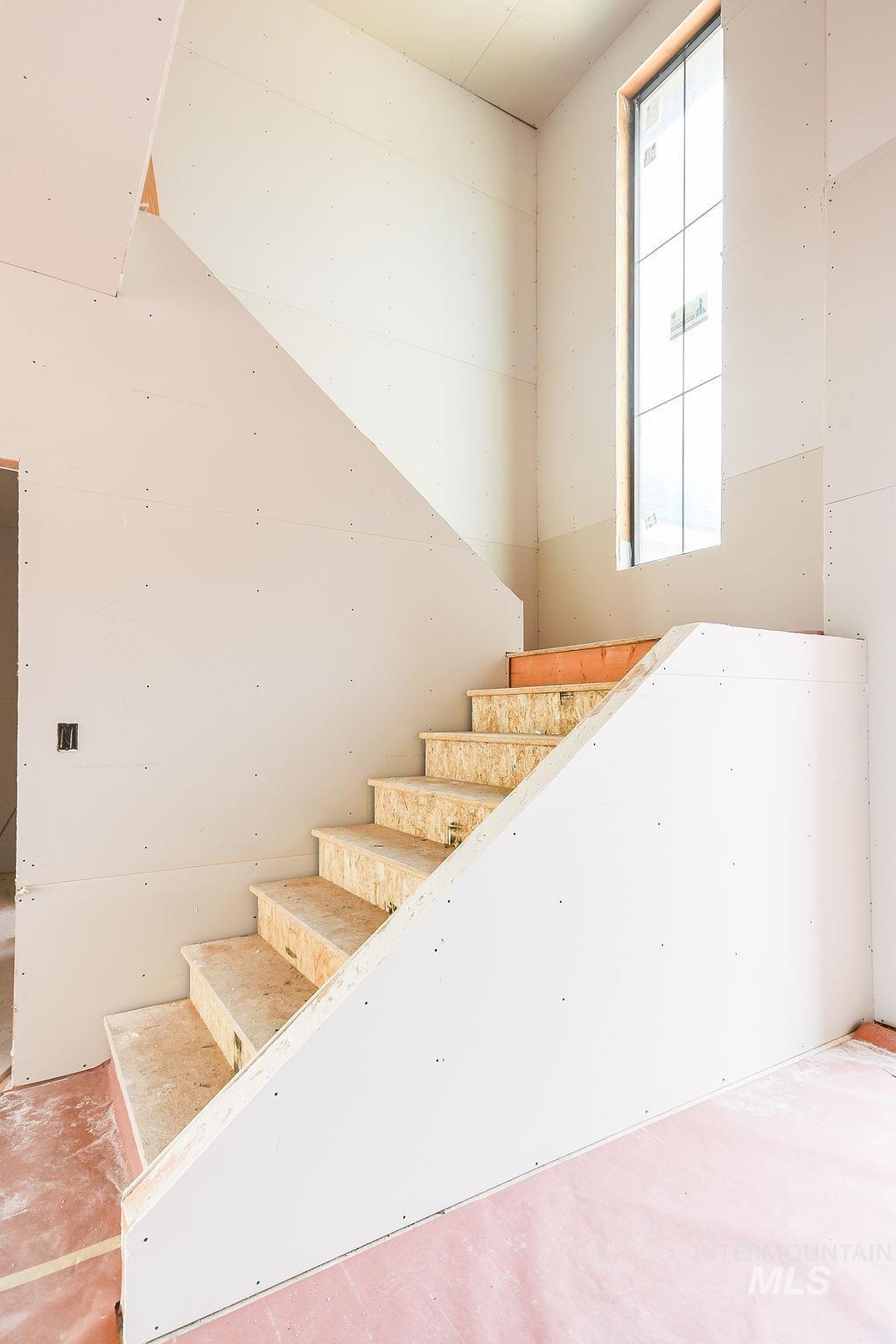 439 Southview Property Photo 11