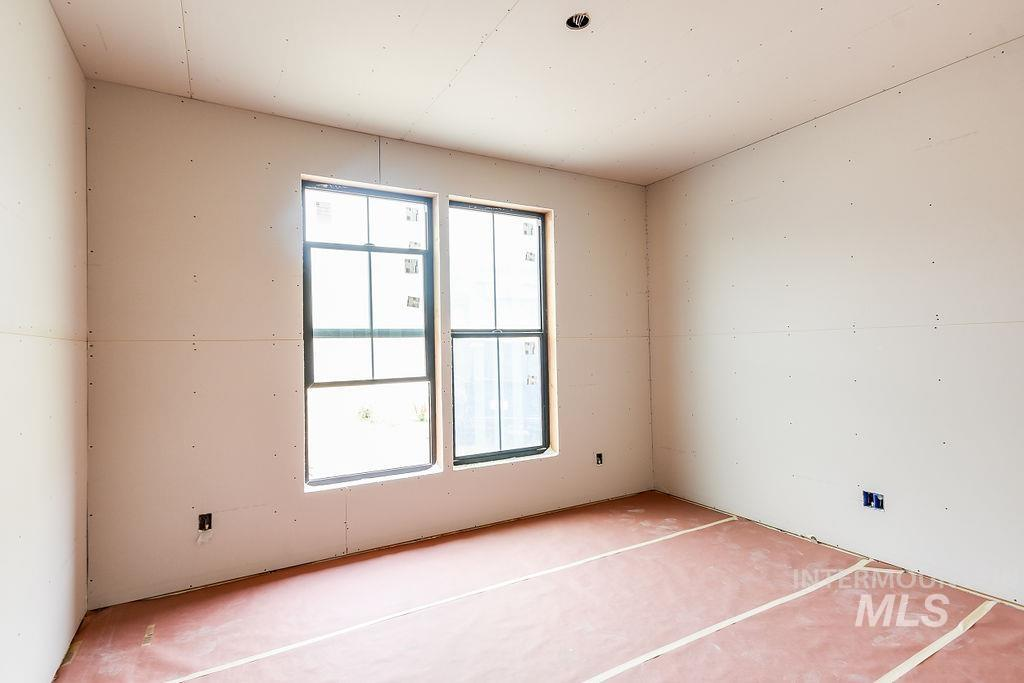 439 Southview Property Photo 14