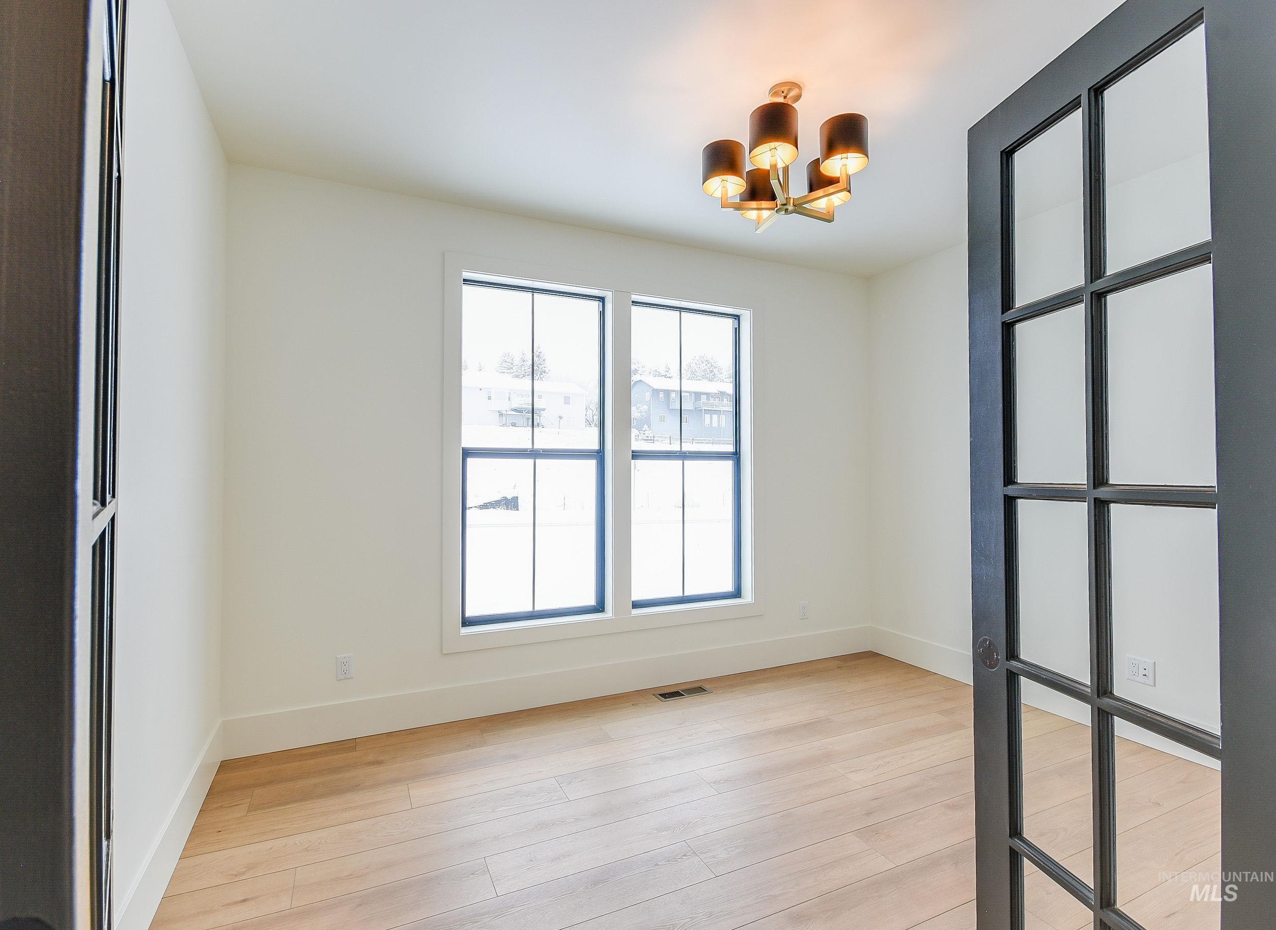 439 Southview Property Photo 34