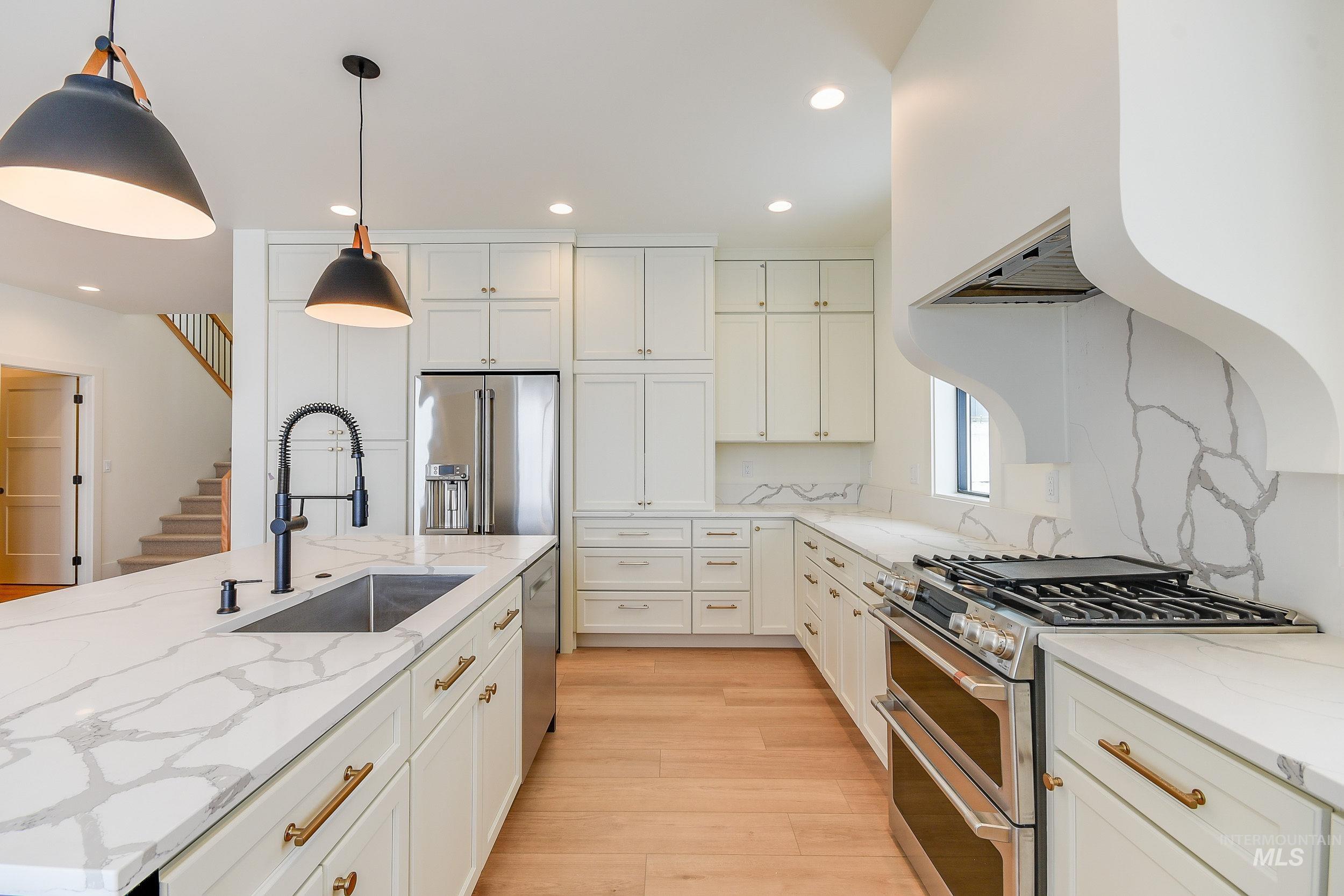 439 Southview Property Photo 36