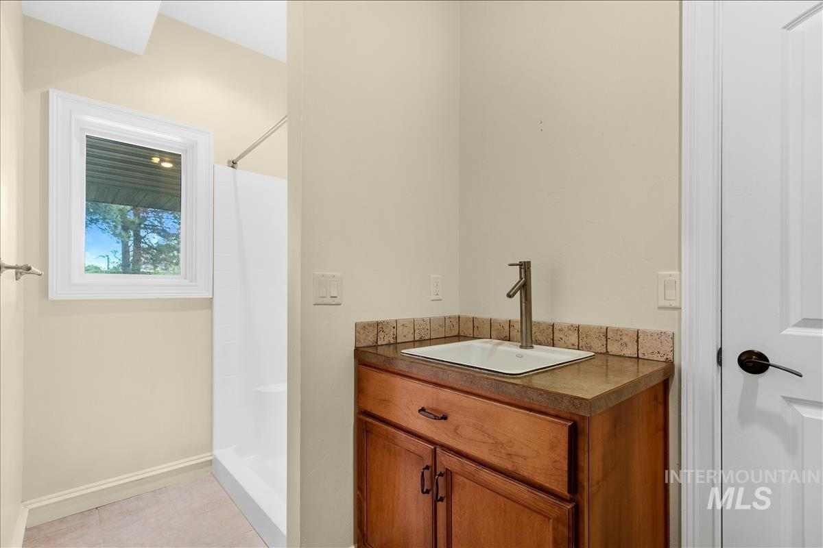 108 S 160 W Property Photo 16