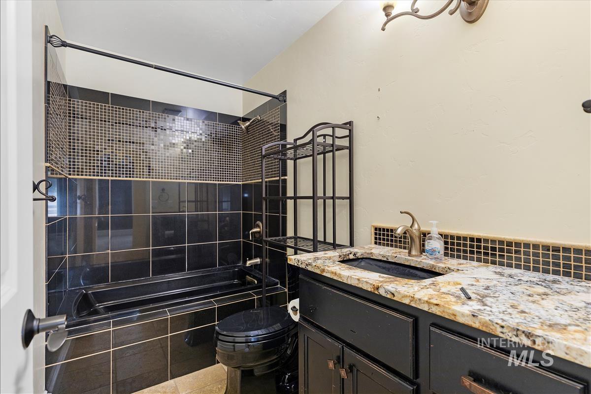 108 S 160 W Property Photo 20