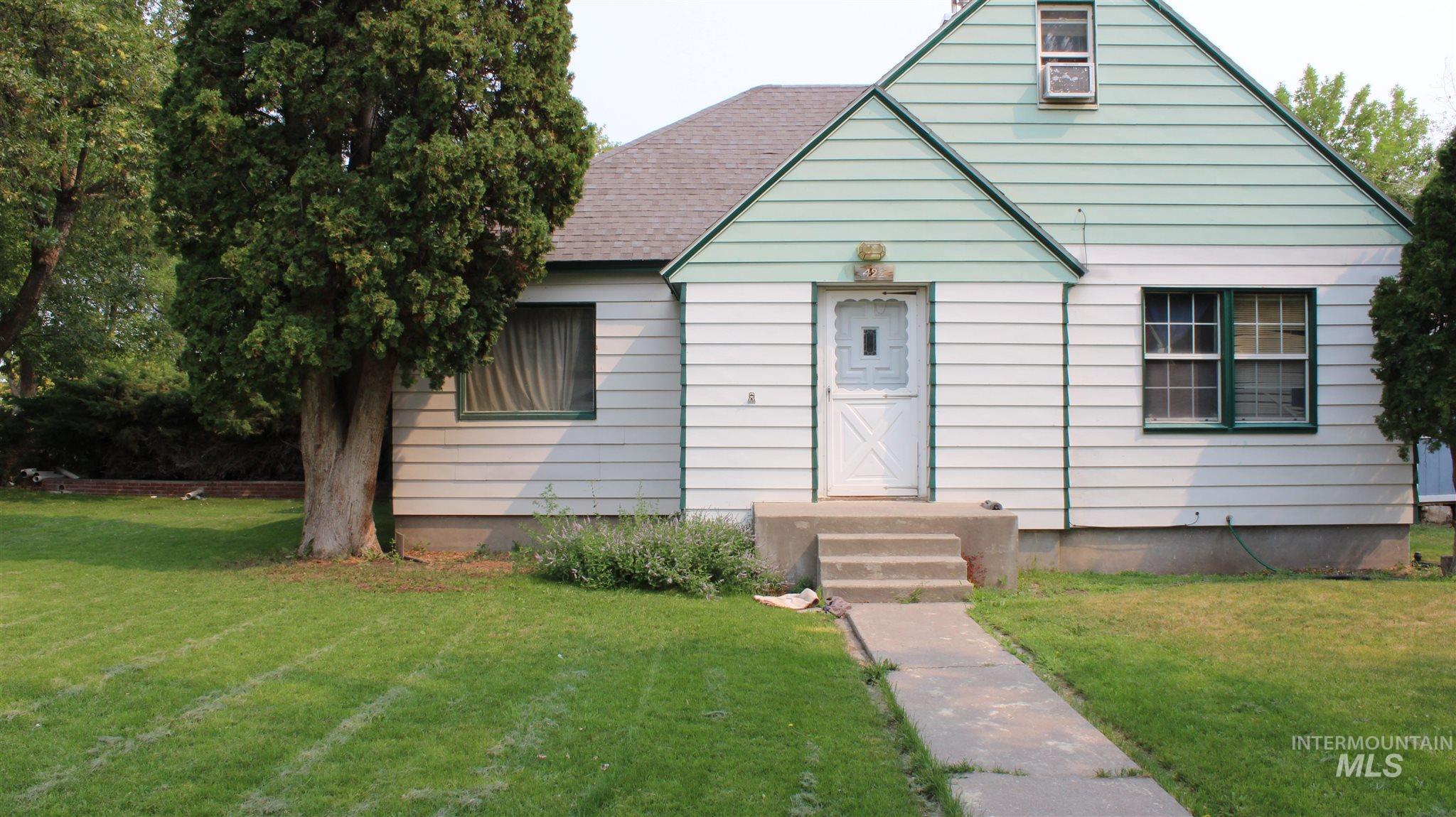 422 E Ave A Property Photo