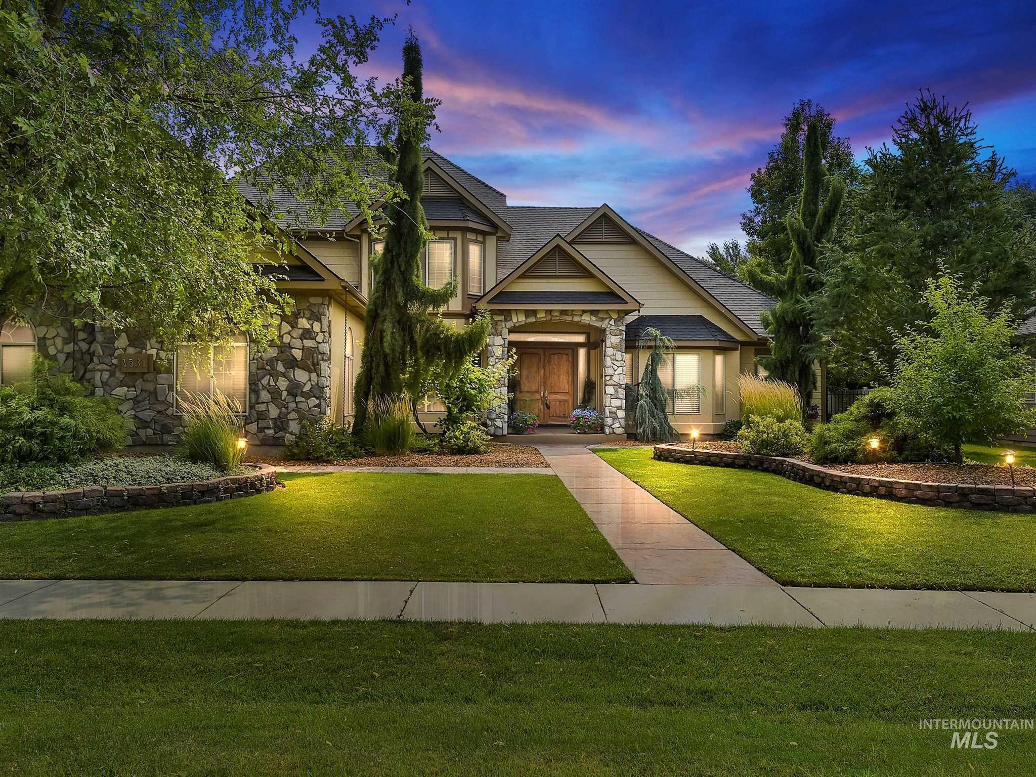 4531 Escalante Property Photo
