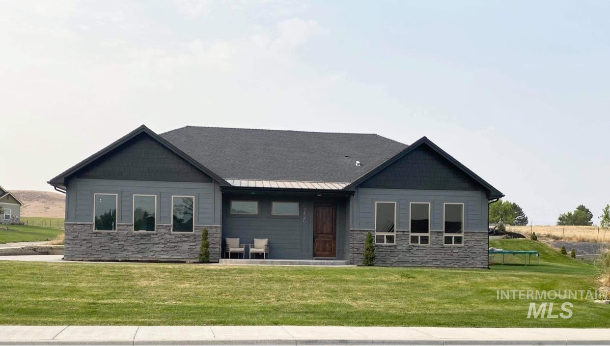 2420 Vista Ave Property Photo
