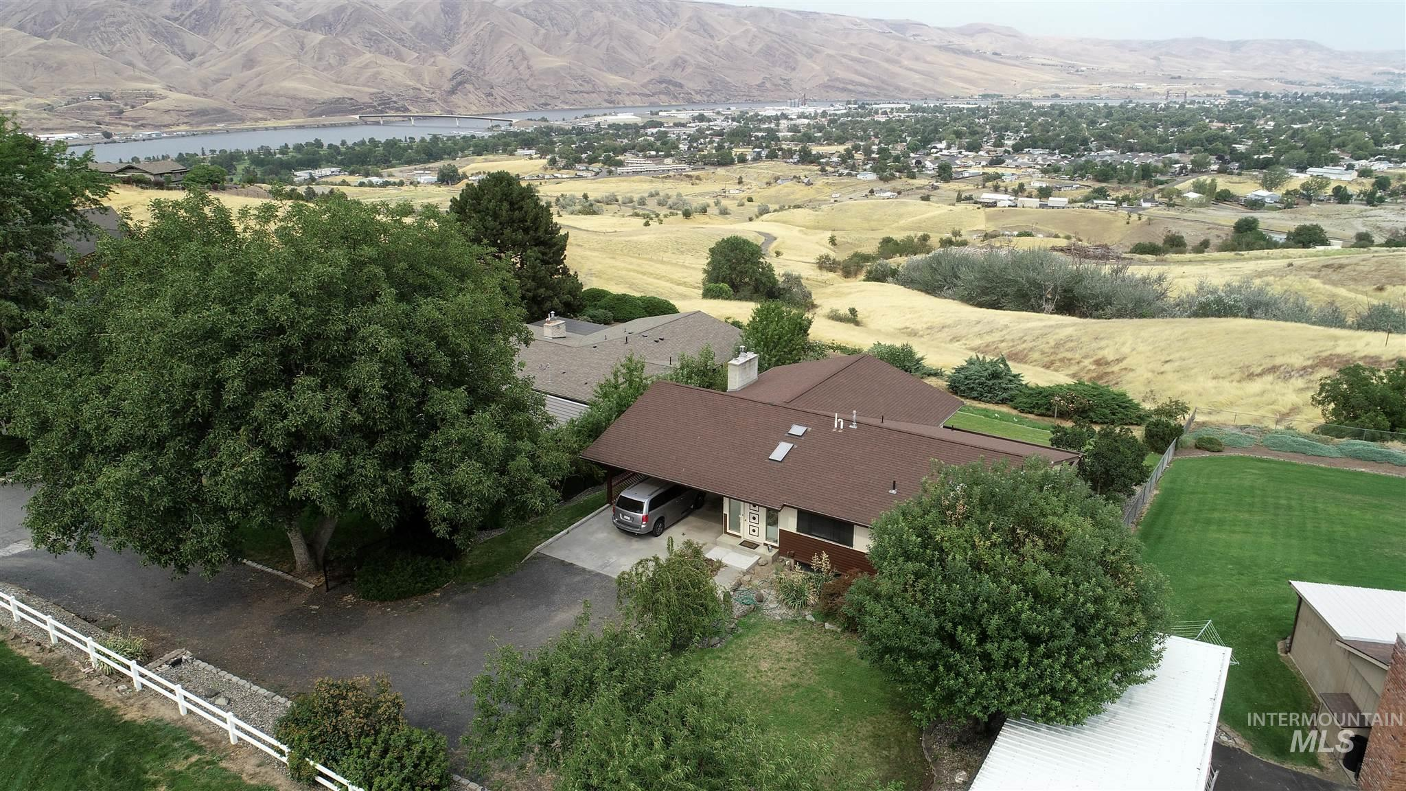 2254 Valleyview Dr. Property Photo