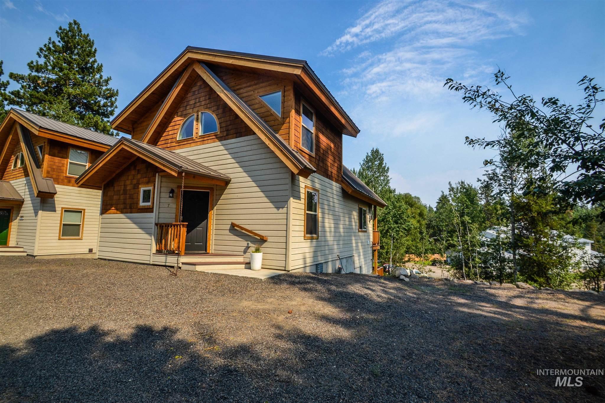 610 Lenora St #7 Property Photo