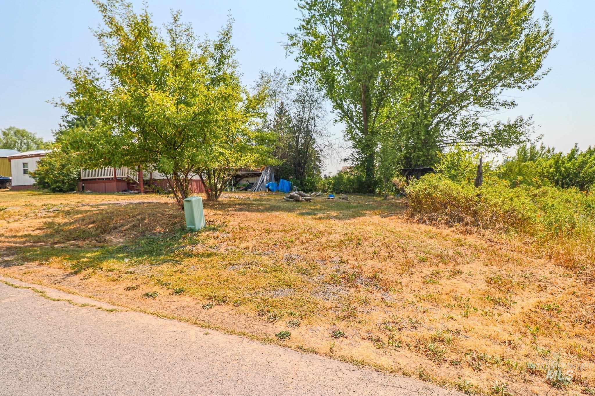 315 W 2nd Ave Property Photo
