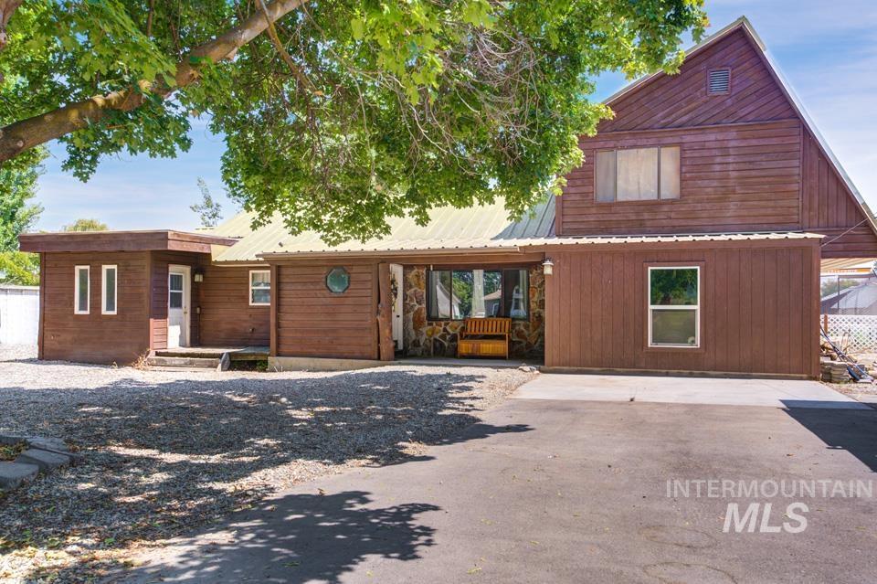 143 Se Blvd Property Photo