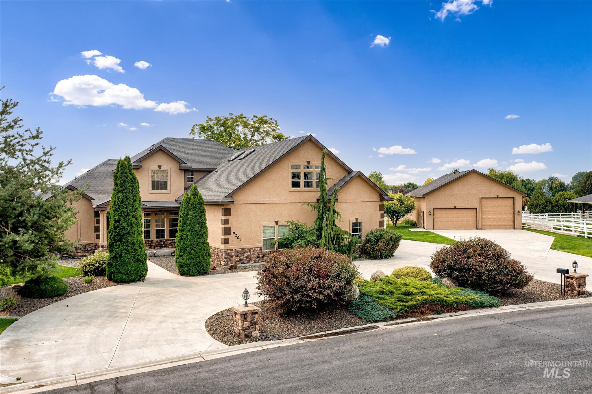 8201 S Buffalo Creek Lane Property Photo