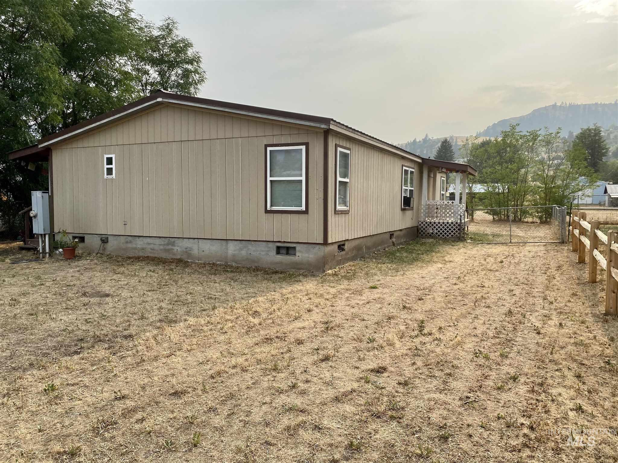 1020 Idaho St Property Photo