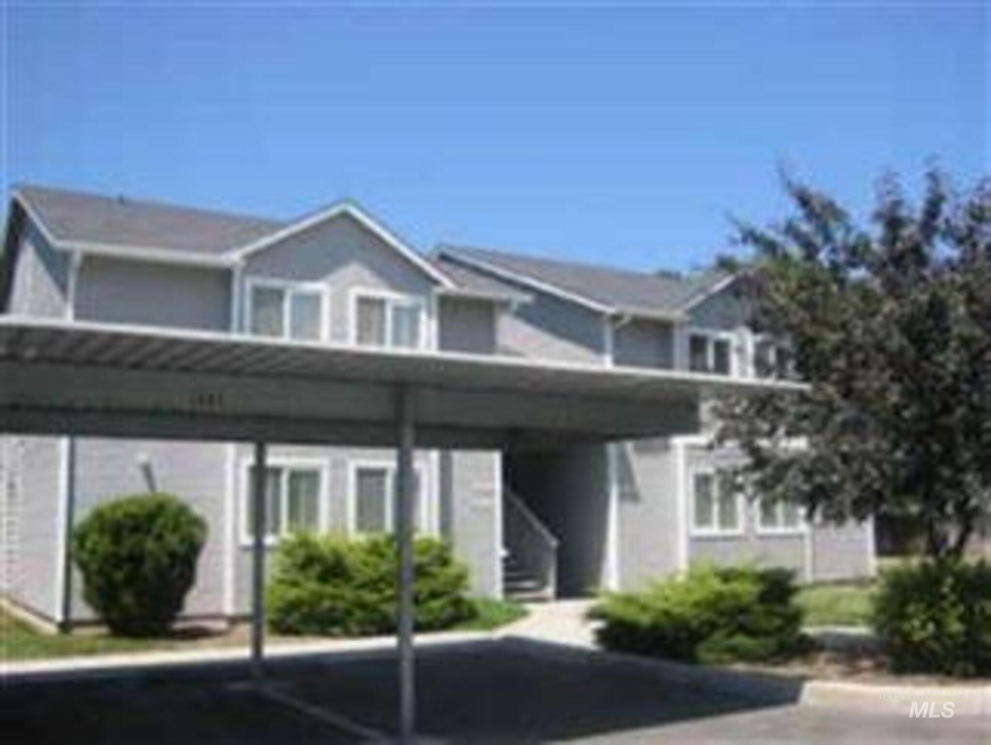 5642 Dorian Ln Property Photo