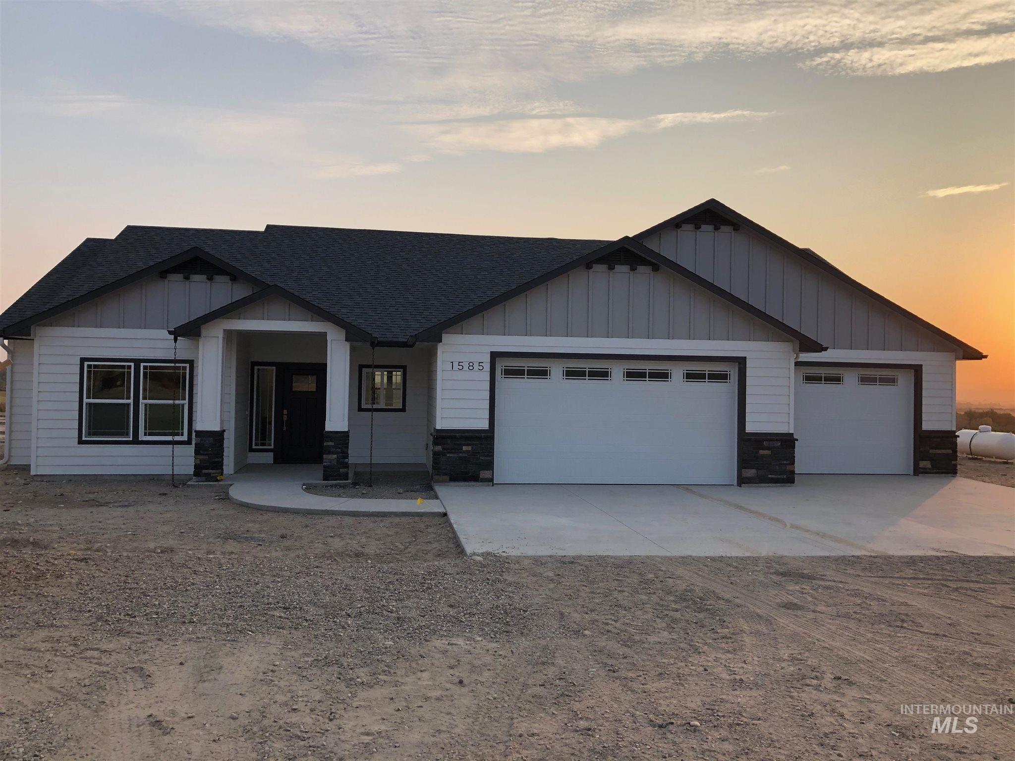 10879 N Iowa Property Photo