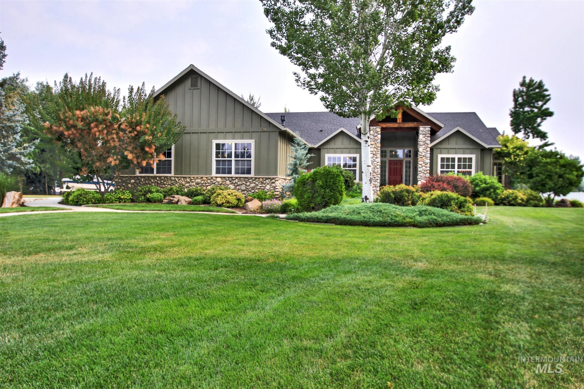 594 W Gray Fox Ct Property Photo