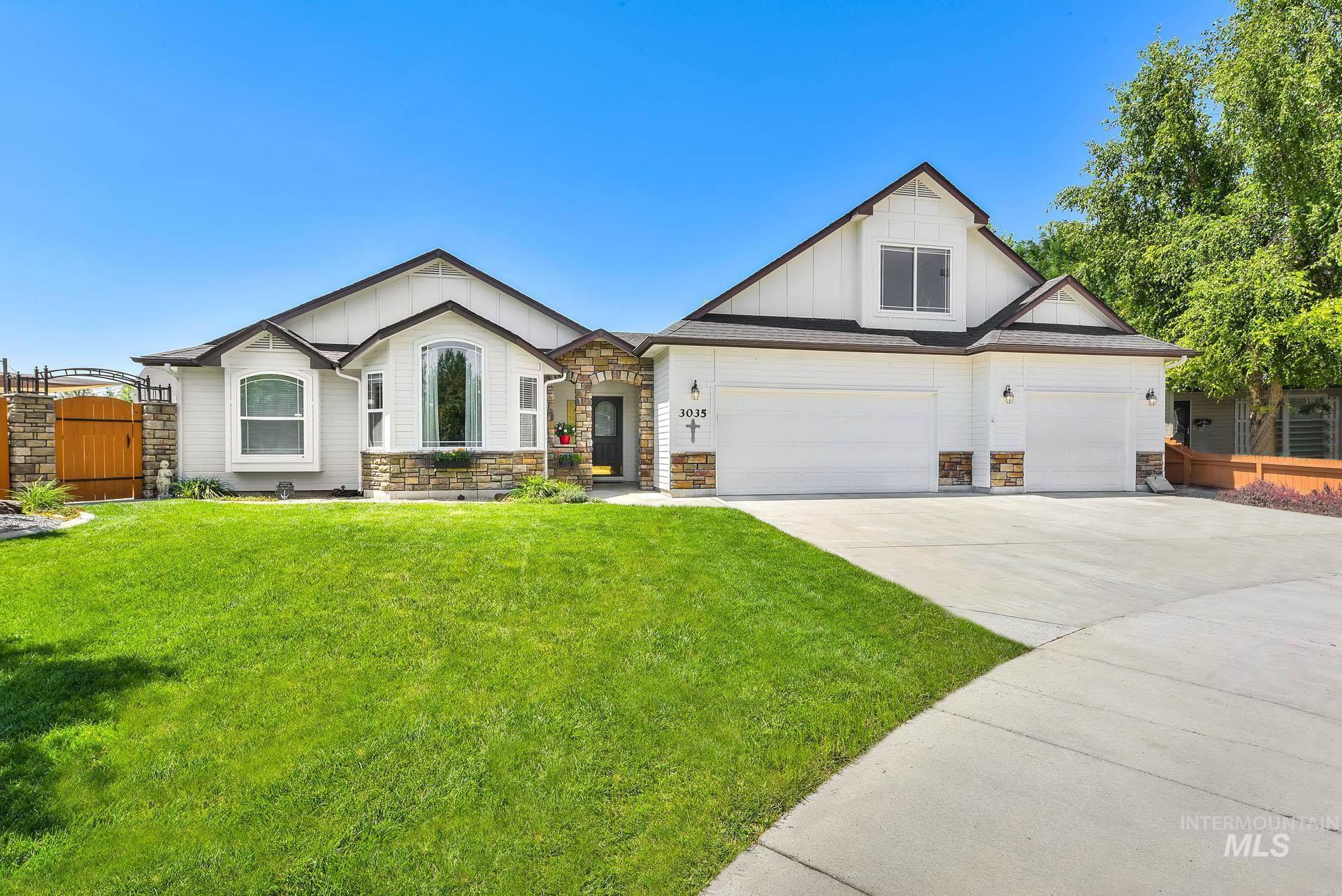 3035 N Adale Property Photo