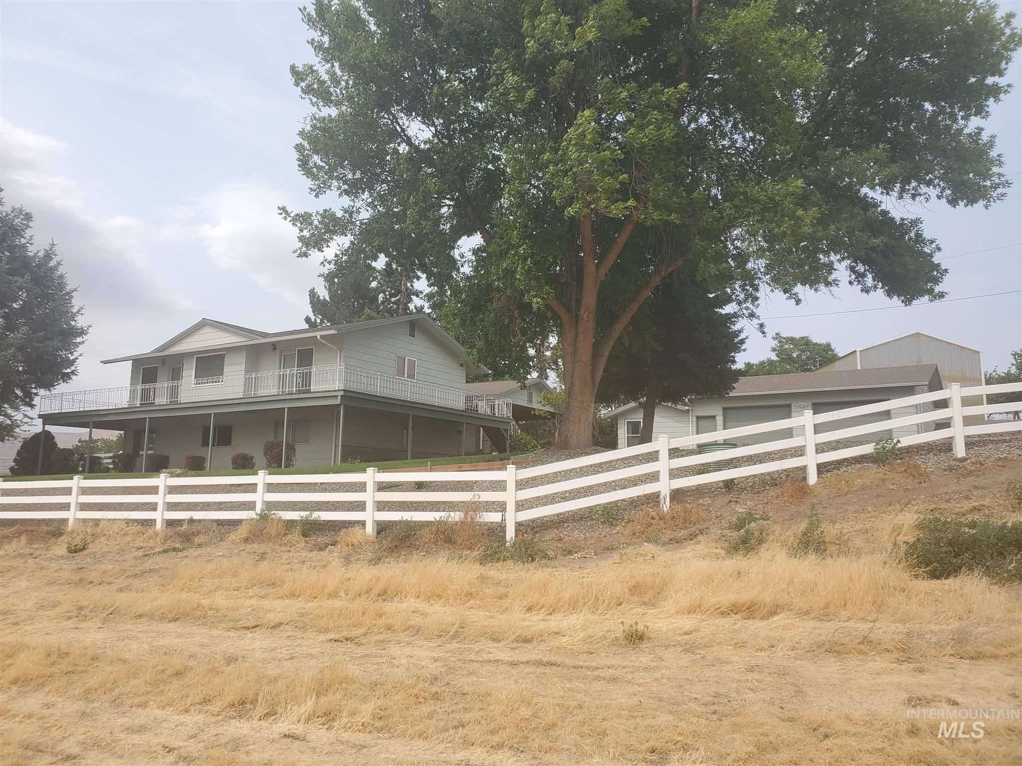 2210 3rd Ave Property Photo