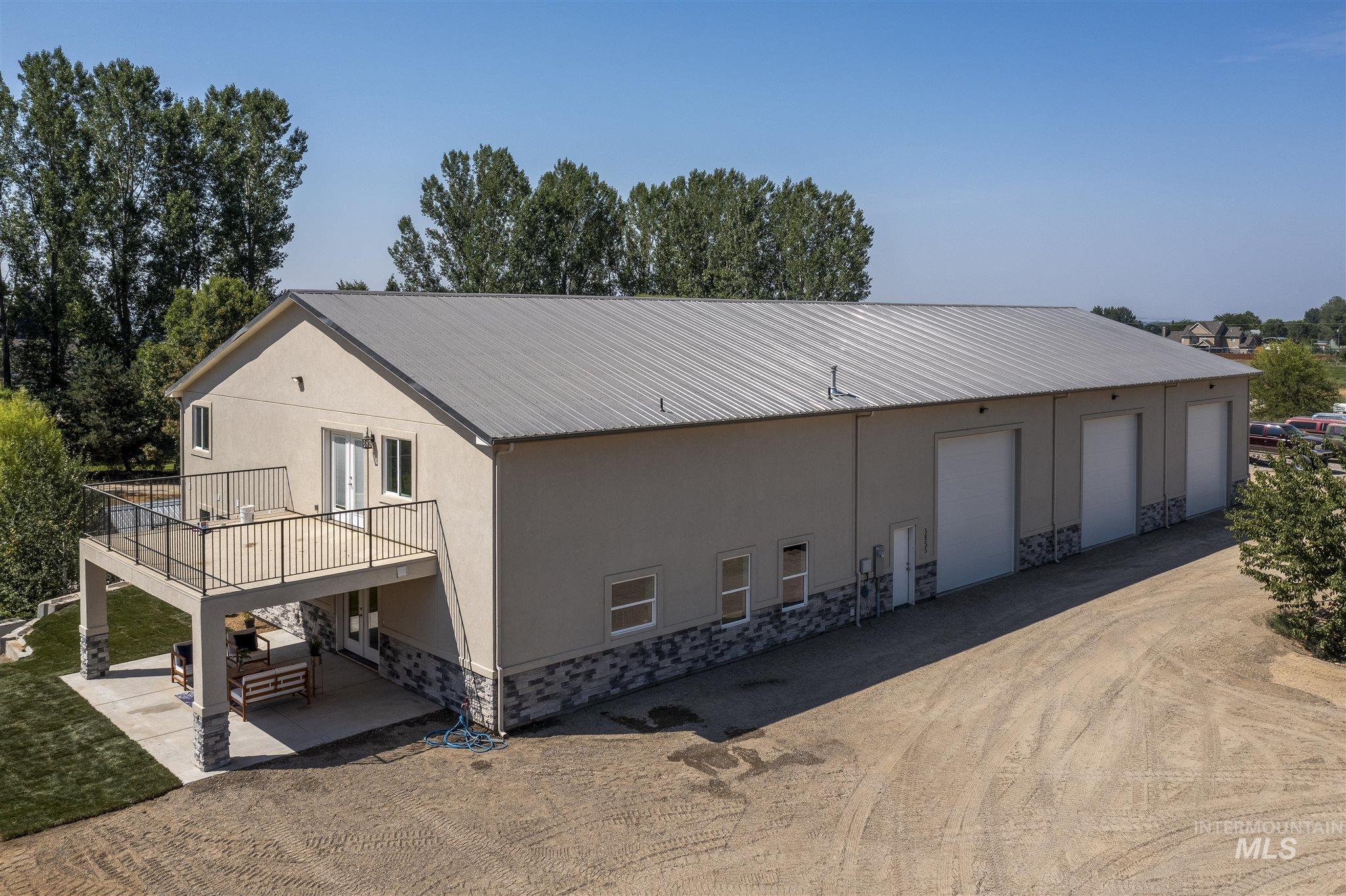 5855 Joe Lane Property Photo 1