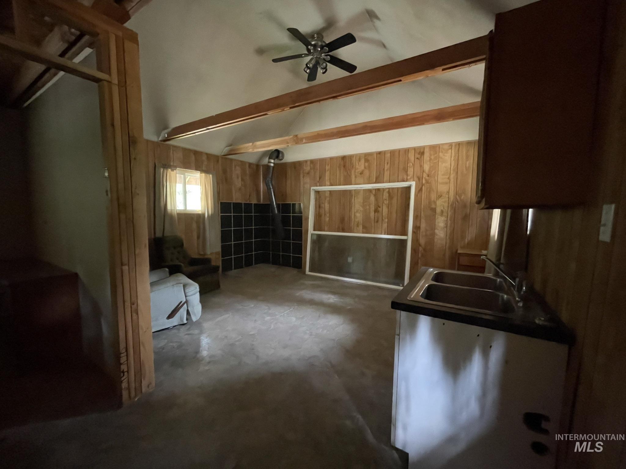36 Willis Brassy Property Photo 9