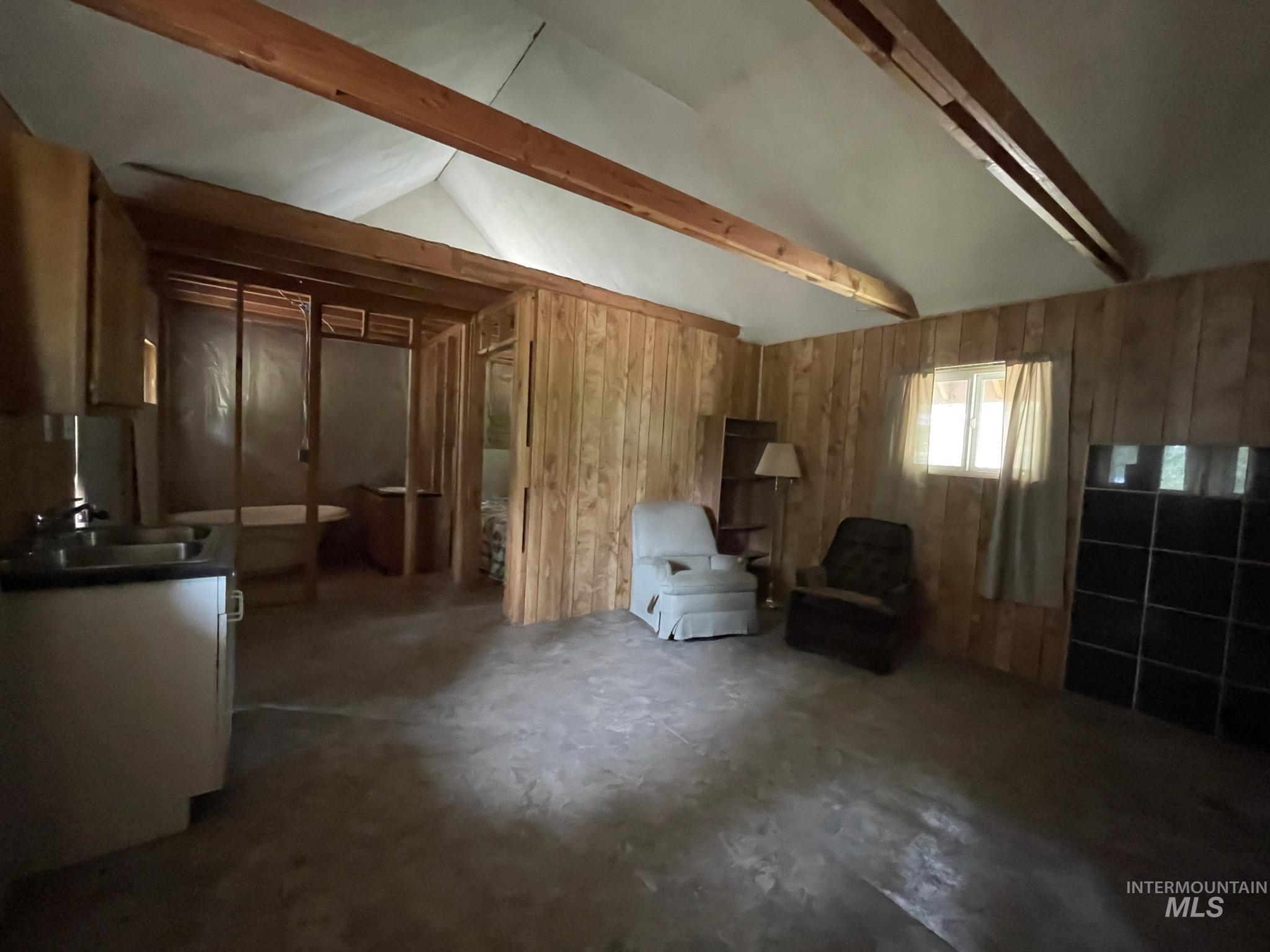 36 Willis Brassy Property Photo 10