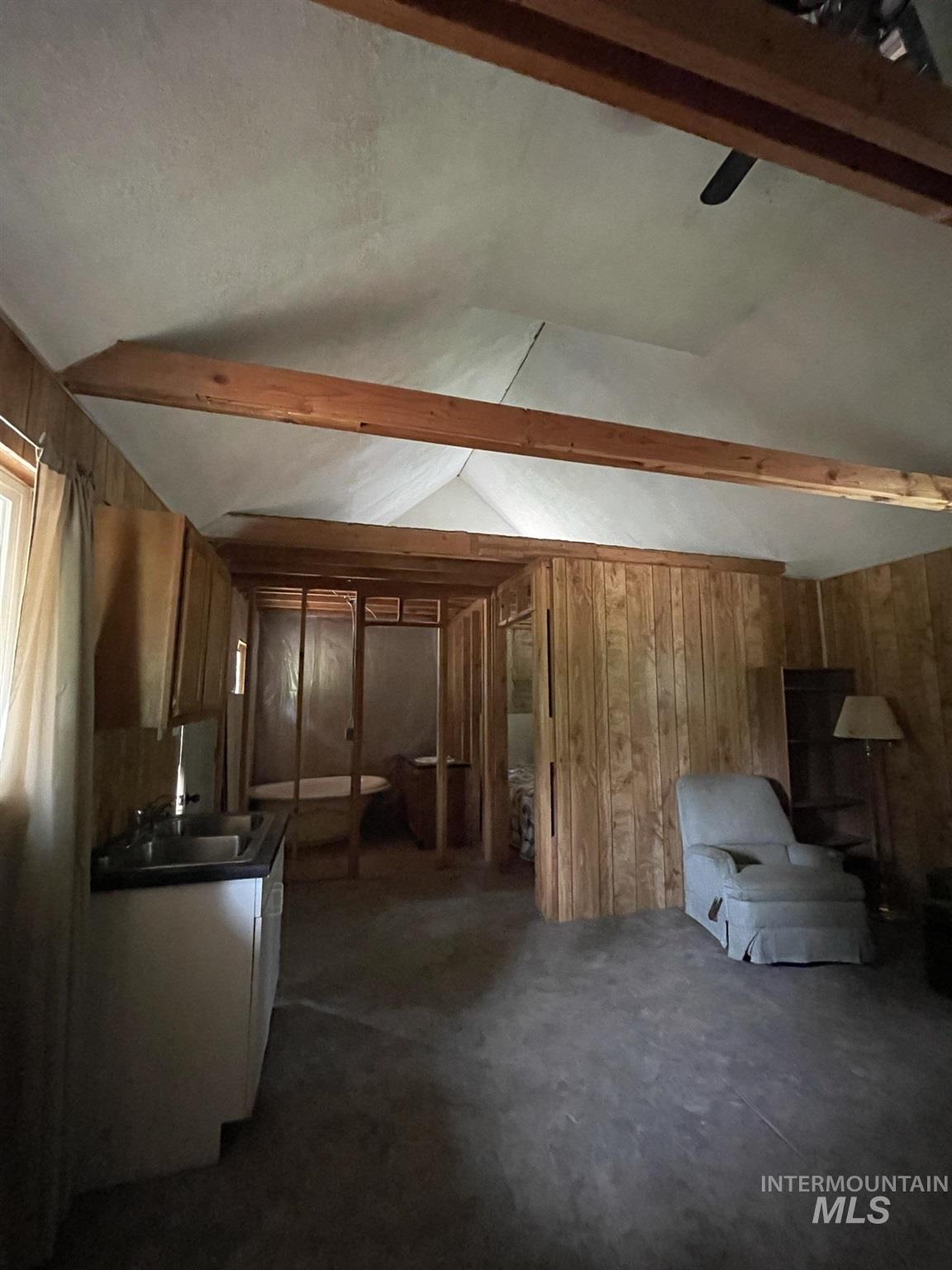 36 Willis Brassy Property Photo 12