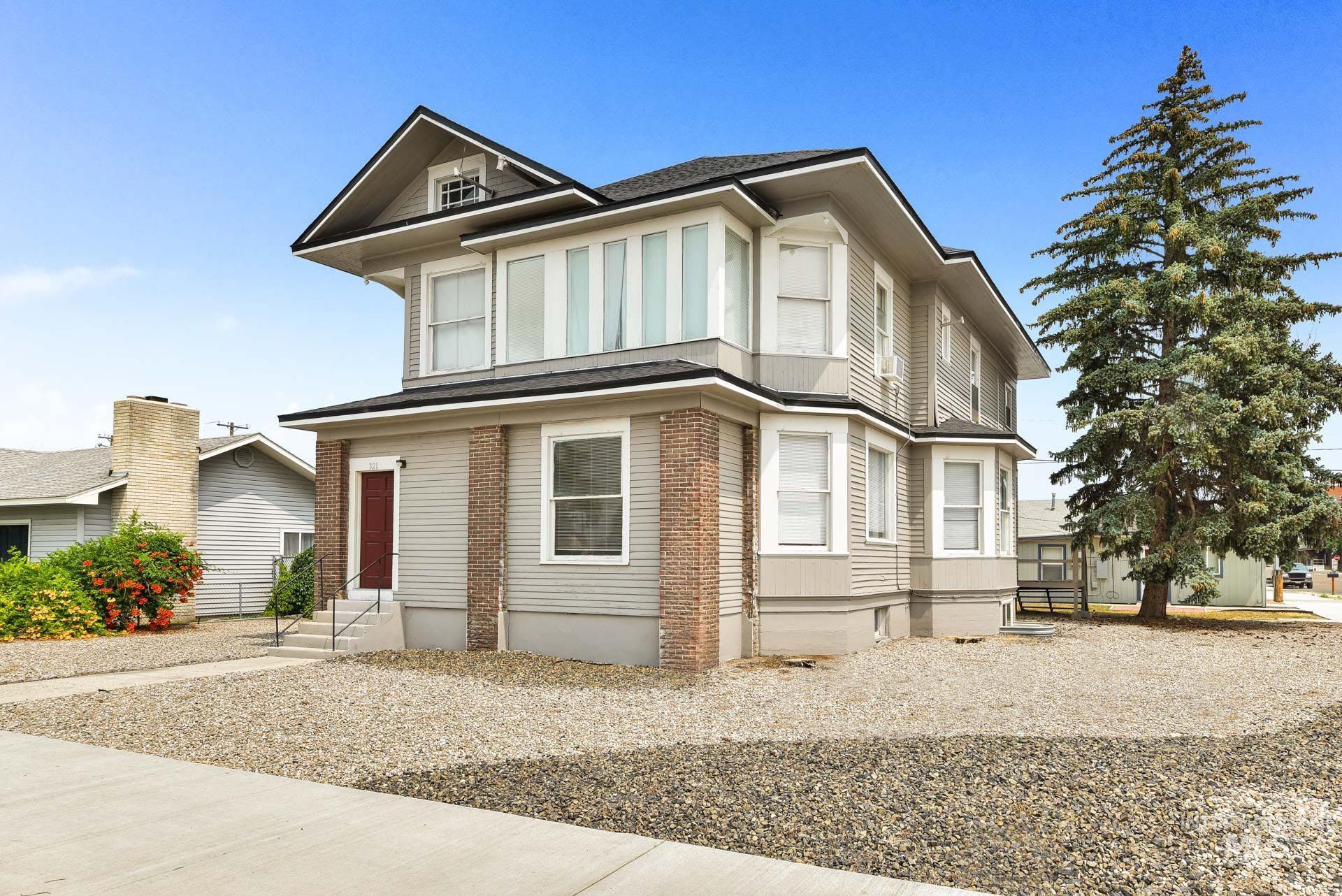 321 Blaine Street Property Photo