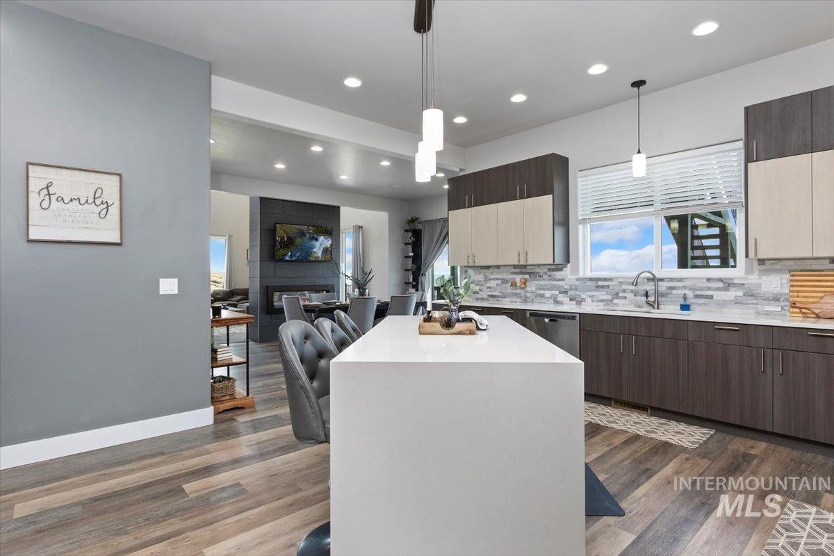 611 S 70 W Property Photo 25