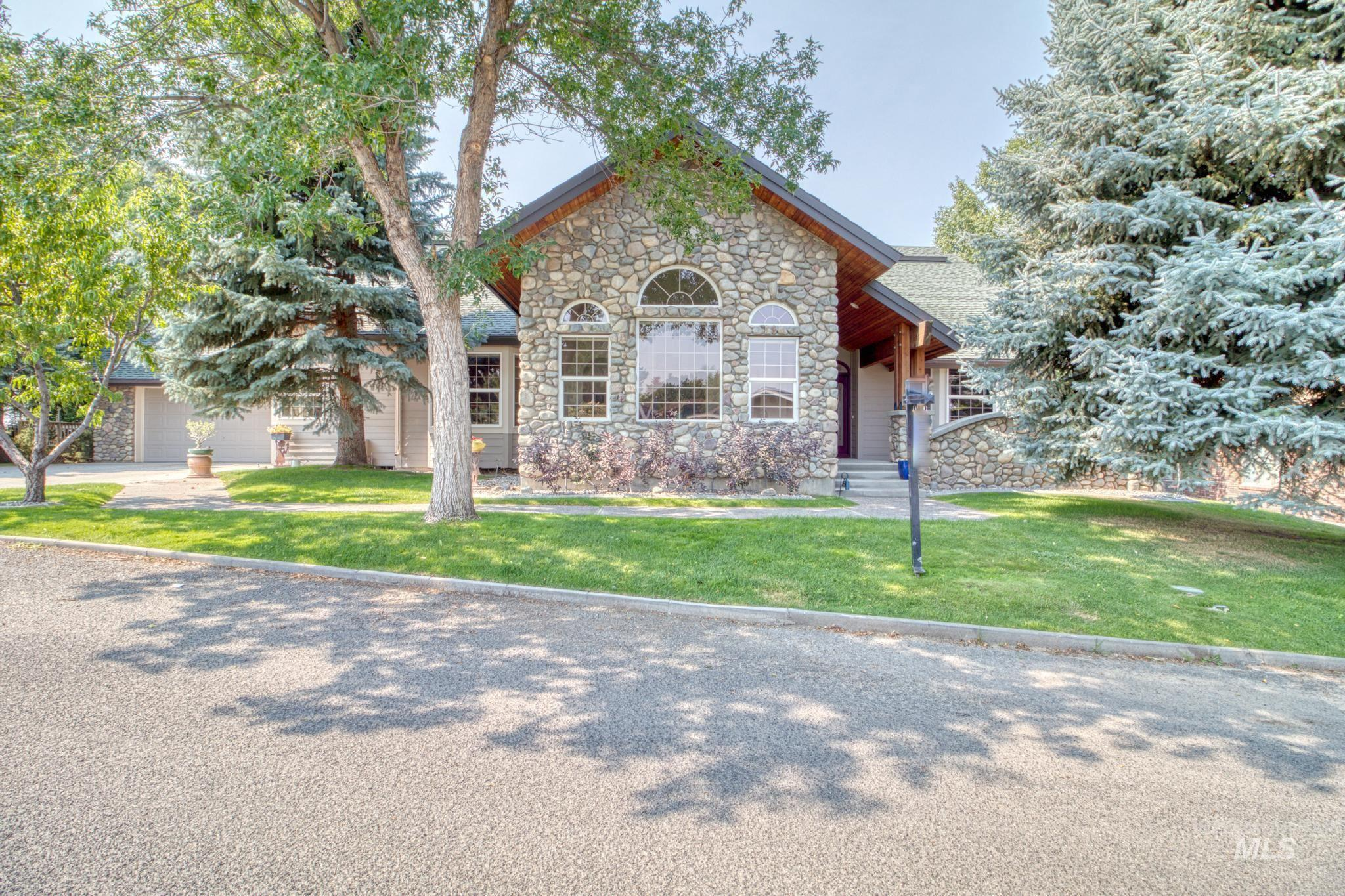 102 Winged Foot Road Property Photo 1