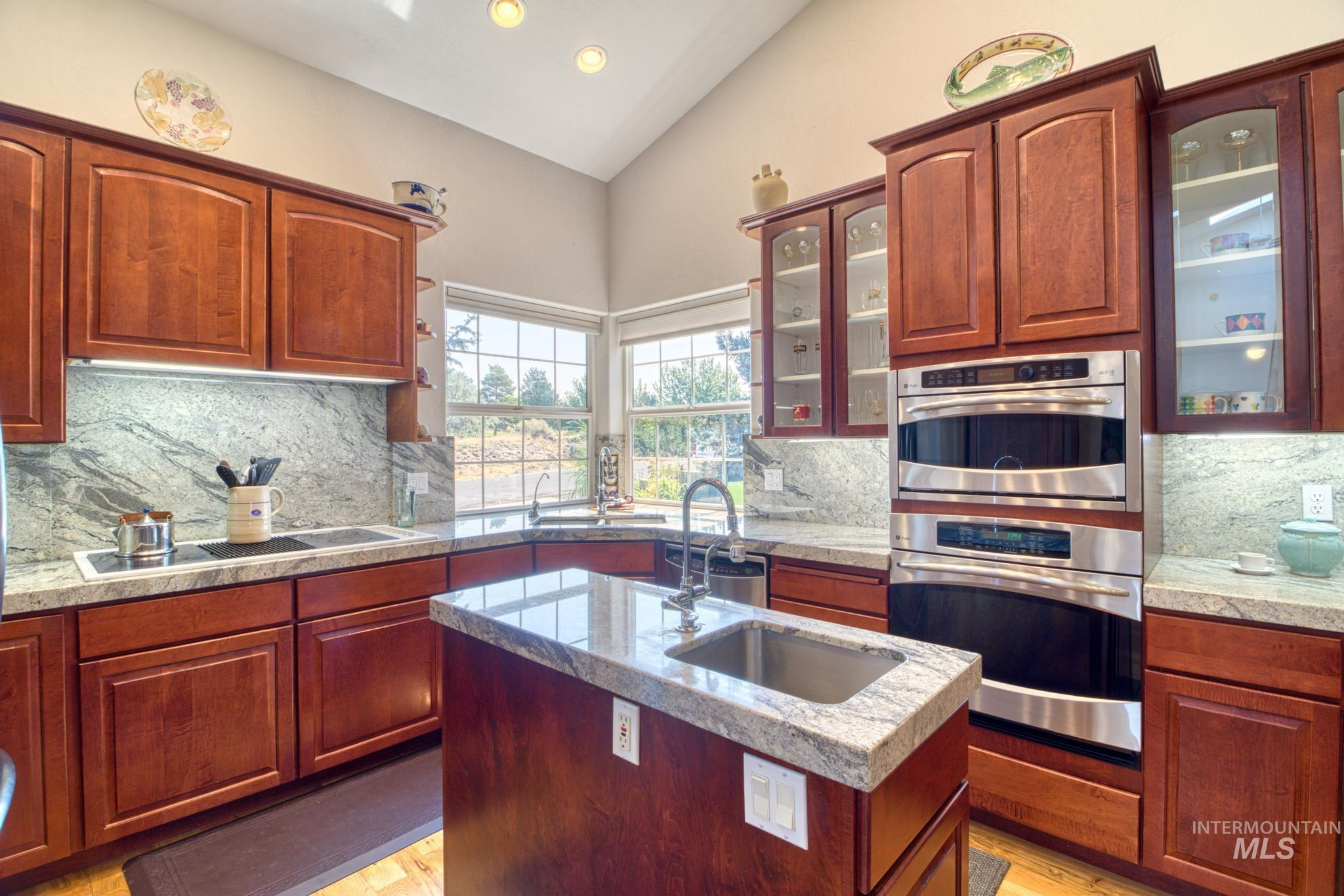 102 Winged Foot Road Property Photo 12