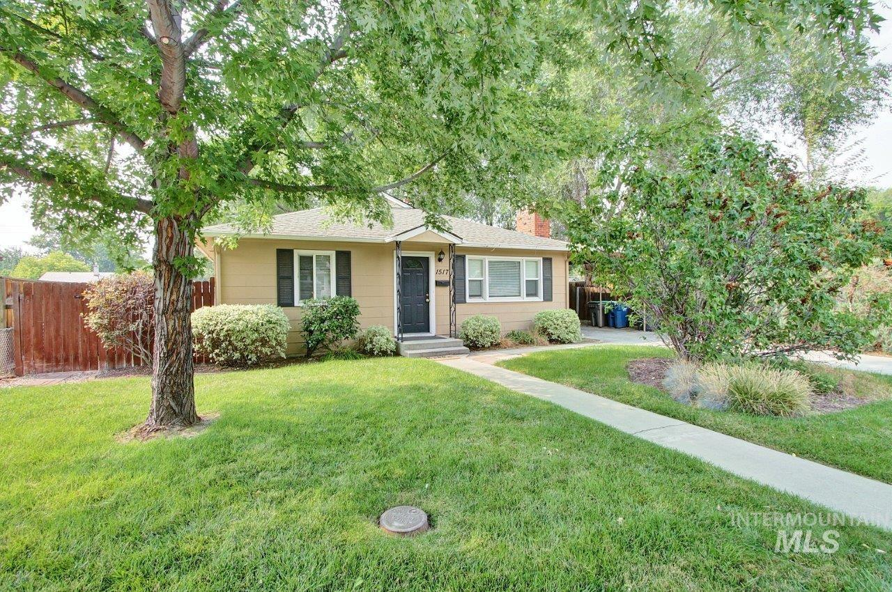 1517 S Chrisway Dr Property Photo