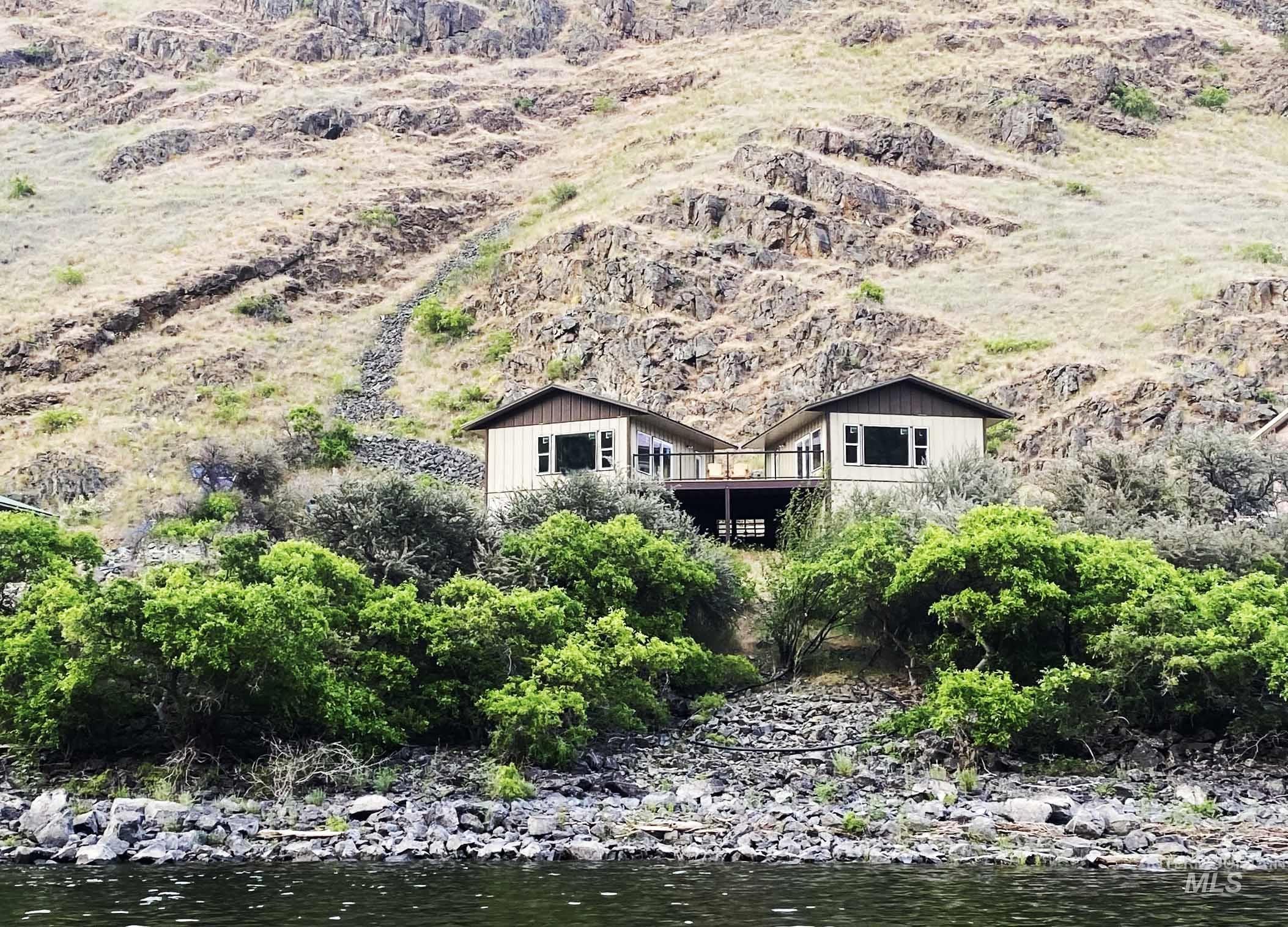 17399 Snake River Rte Property Photo