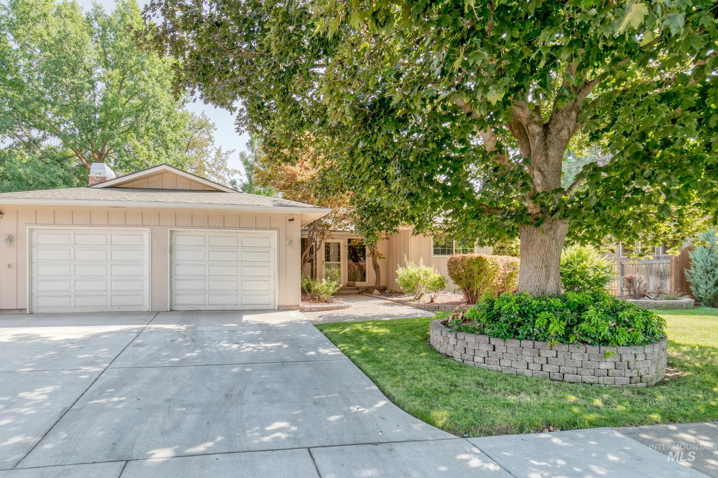 6255 W Winstead Place Property Photo