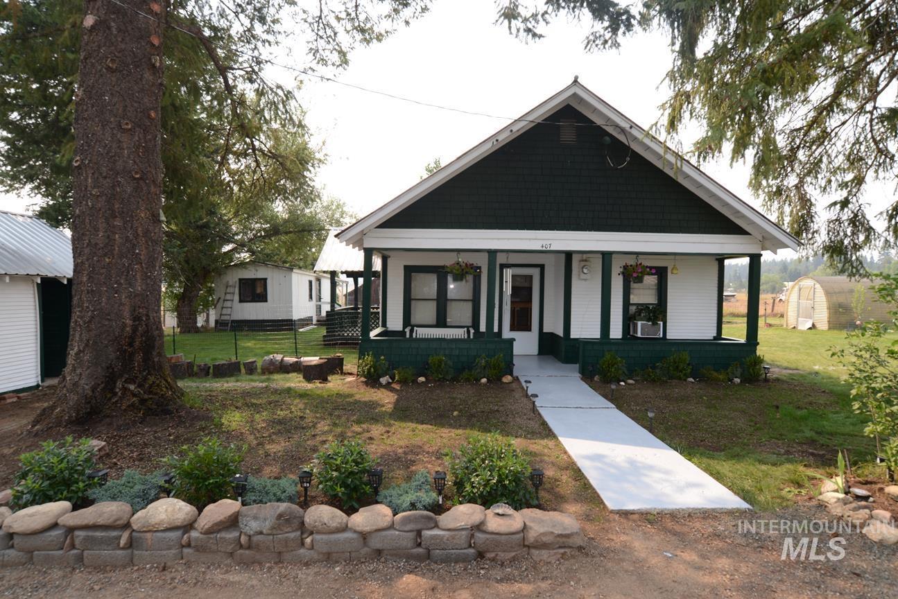407 Wood Street Property Photo