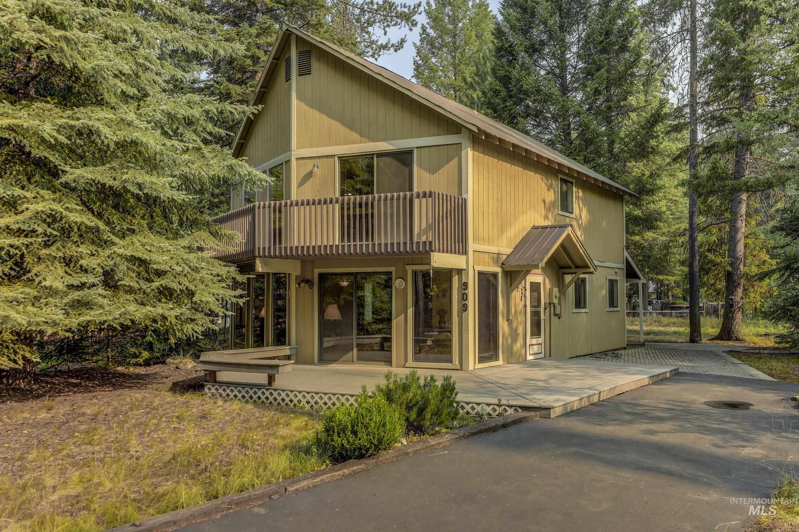 909 Evergreen Drive Property Photo