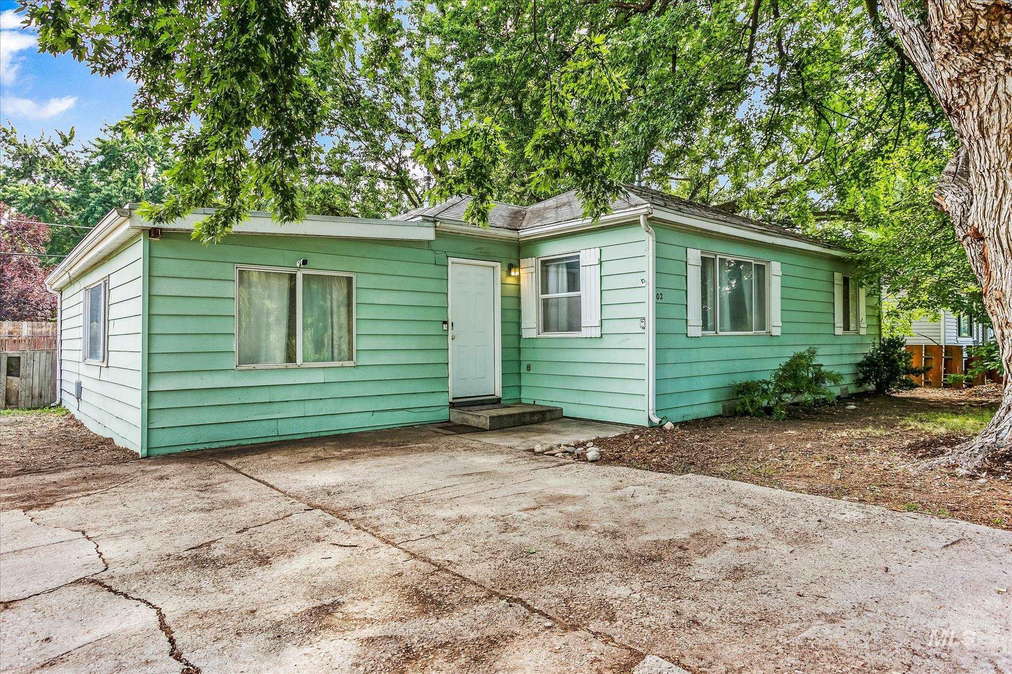5025 W Wylie Ln Property Photo