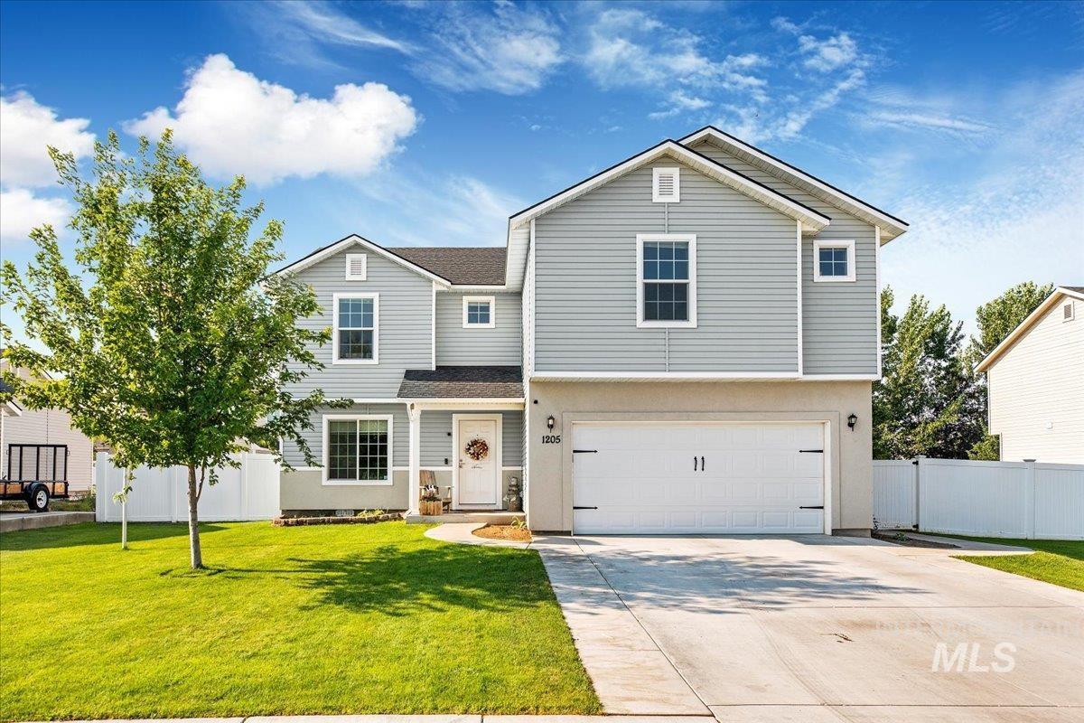 1205 15th Ave E Property Photo 1