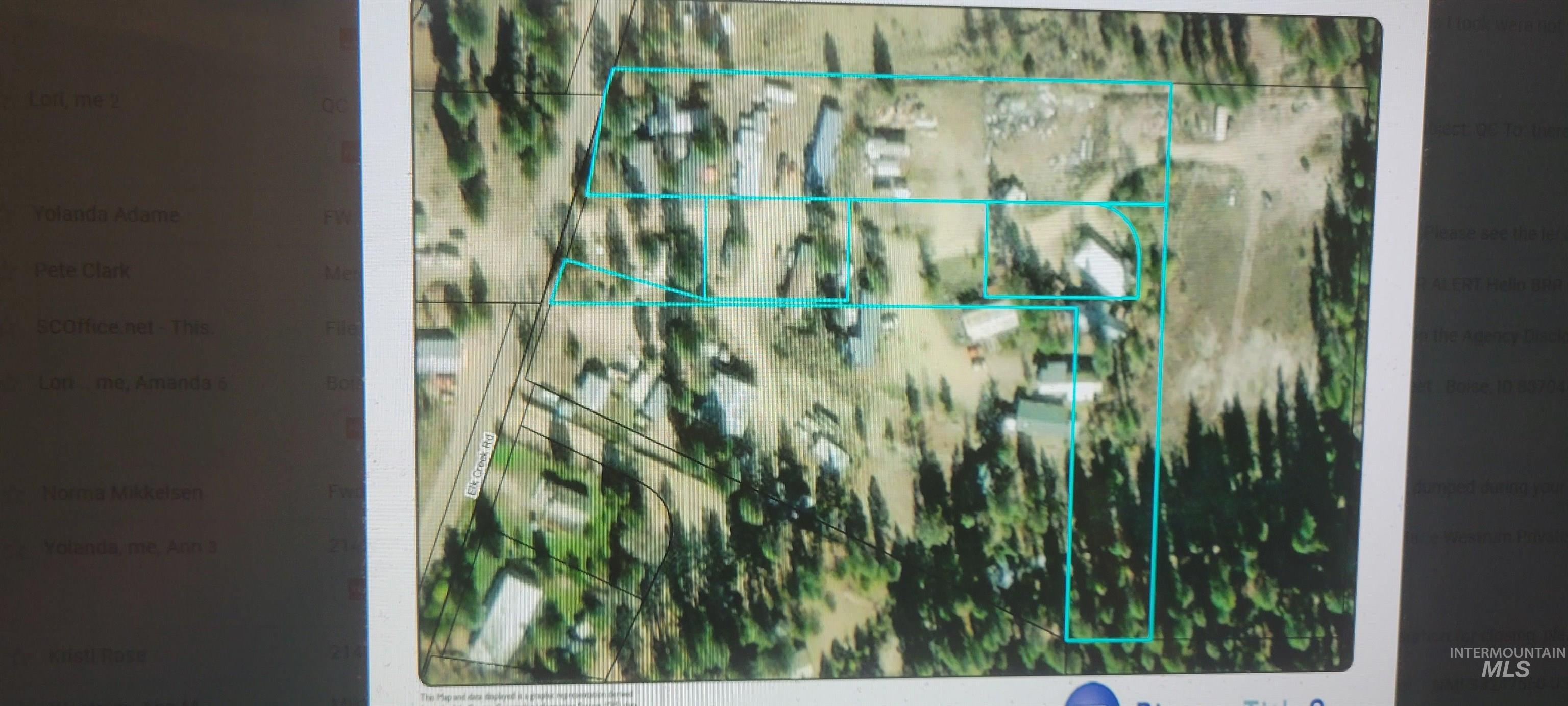 302 & 304 N Elk Creek Rd Property Photo