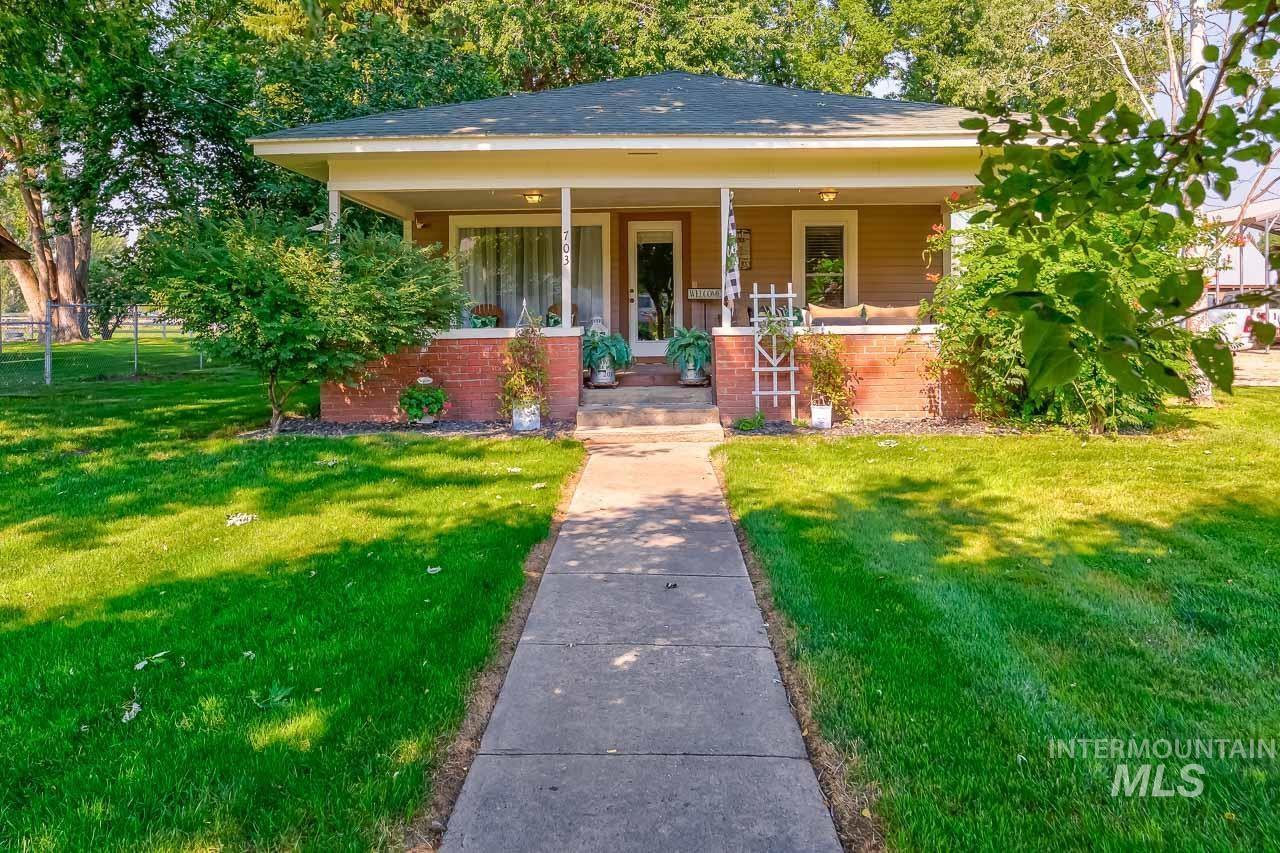 Dickinson Sub Real Estate Listings Main Image