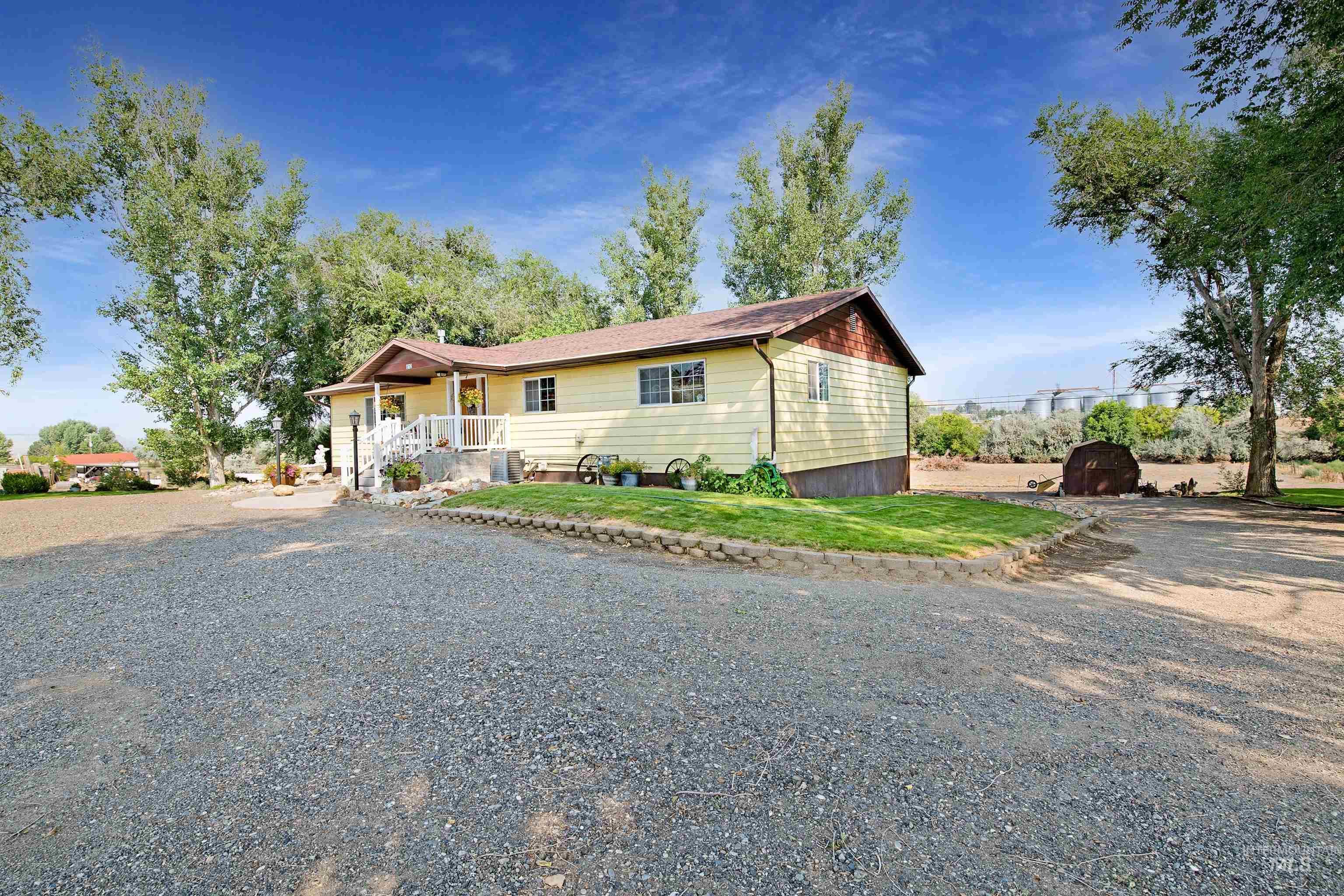 812 W Garfield Property Photo