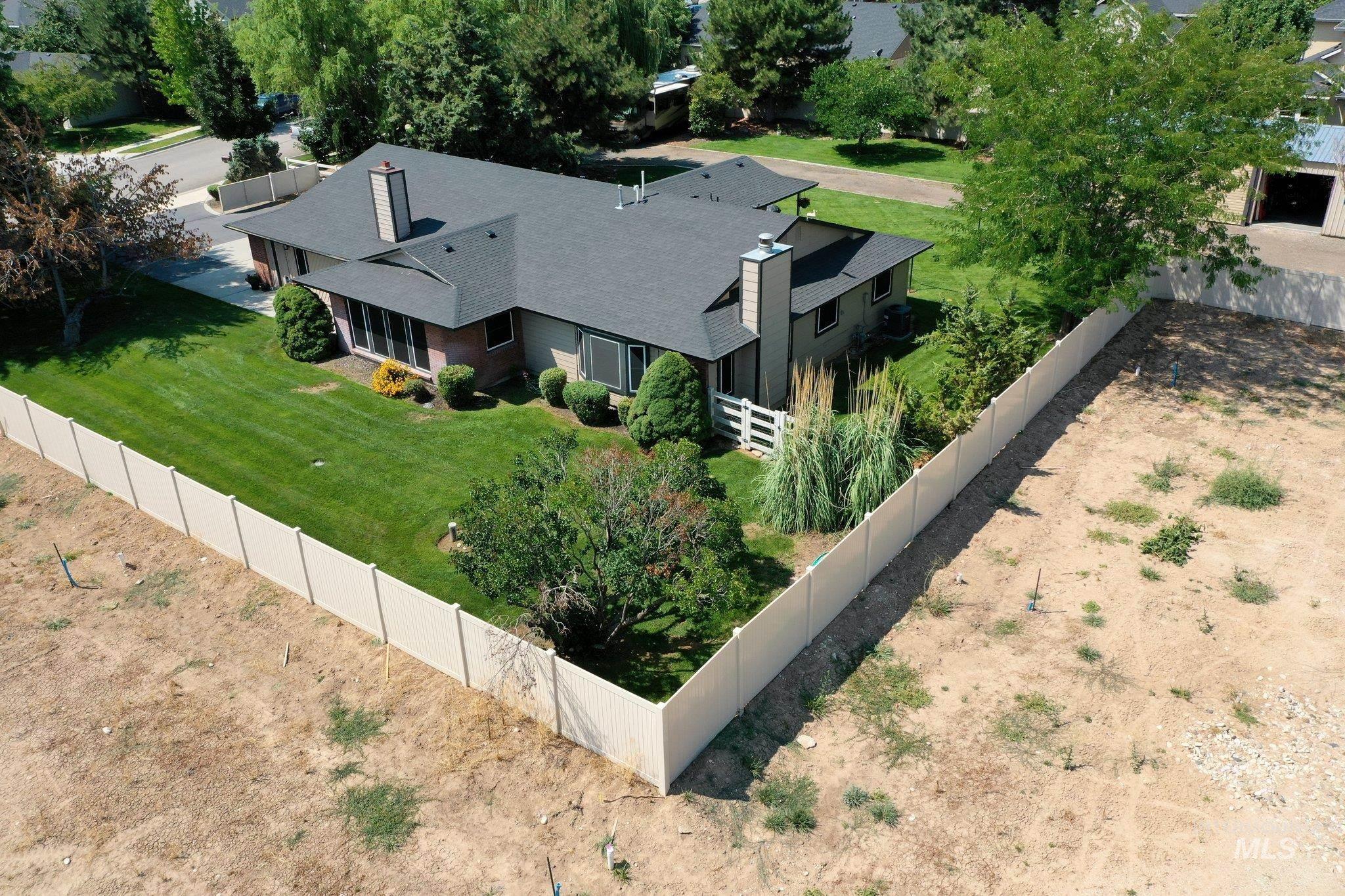 1294 E Leigh Field Property Photo
