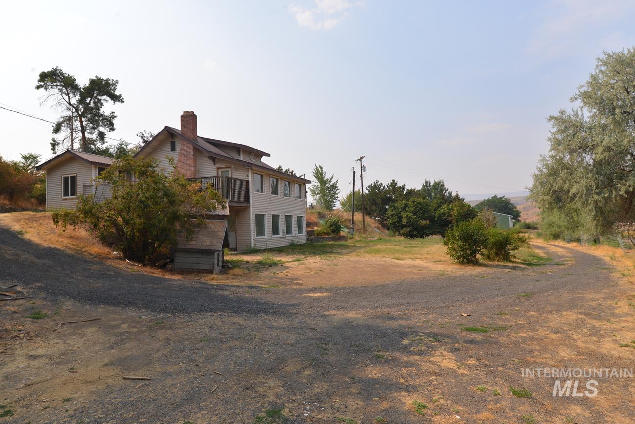 4494 Hamilton Ln Property Photo